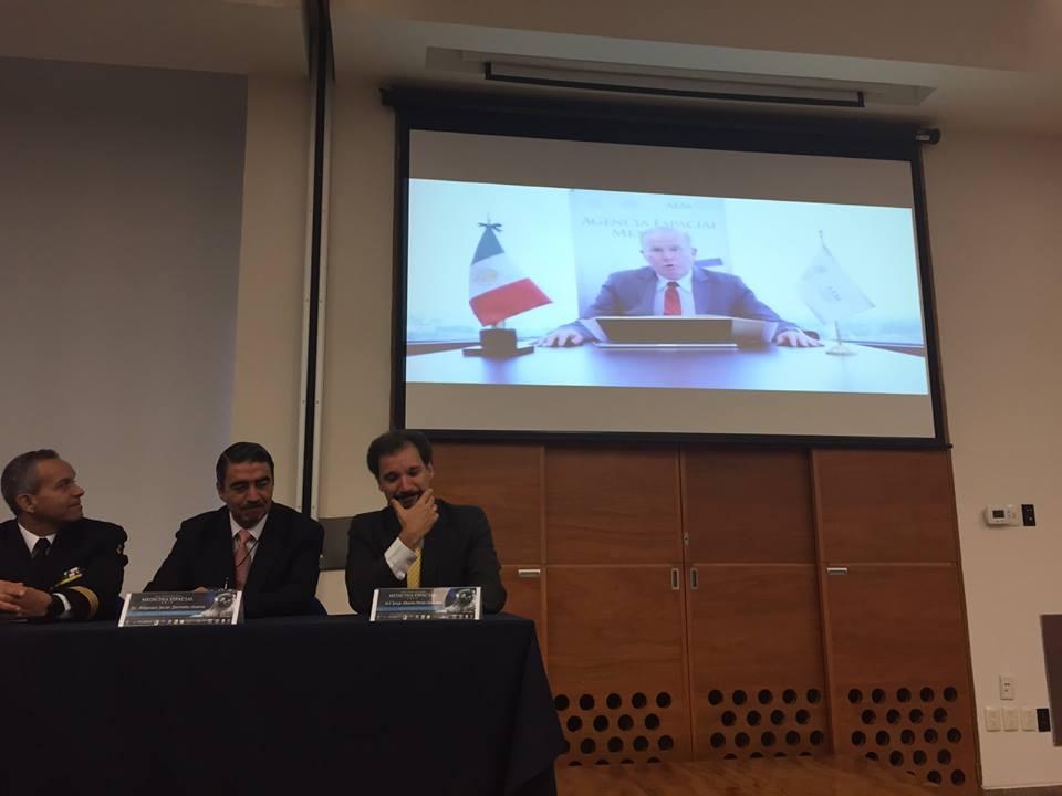 #1CMME Emotivo mensaje del Doctor Francisco Javier Mendieta Jiménez, Director de la Agencia Espacial Mexicana  http://www.aem.gob.mx/notas/congresoMexicanoMedicinaEspacial.html