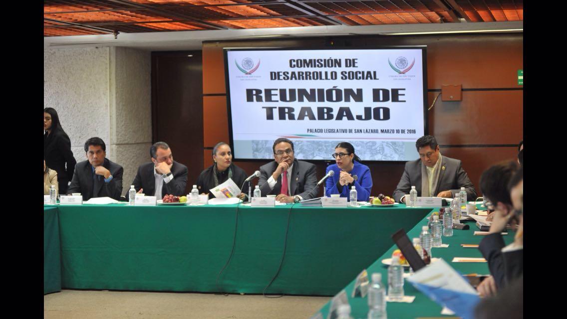 FOTO 1 La subsecretaria Vanessa Rubio M rquez en un encuentro con los integrantes de la Comisi n de Desarrollo Social de la C mara de Diputados.jpg