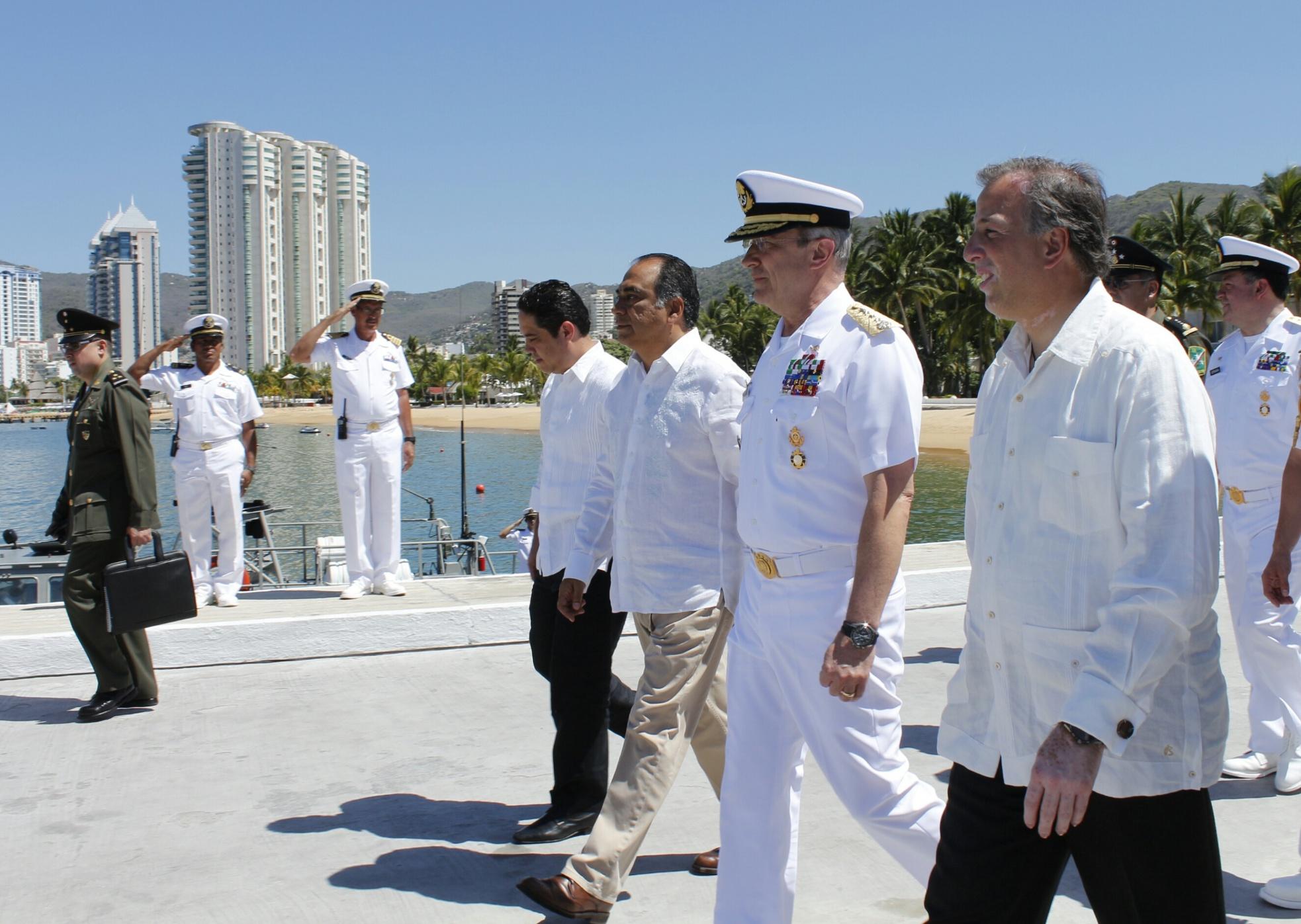 FOTO 2 El secretario Meade acude con la representaci n presidencial a la ceremonia de zarpe del Buque Escuela Cuauht mocjpg