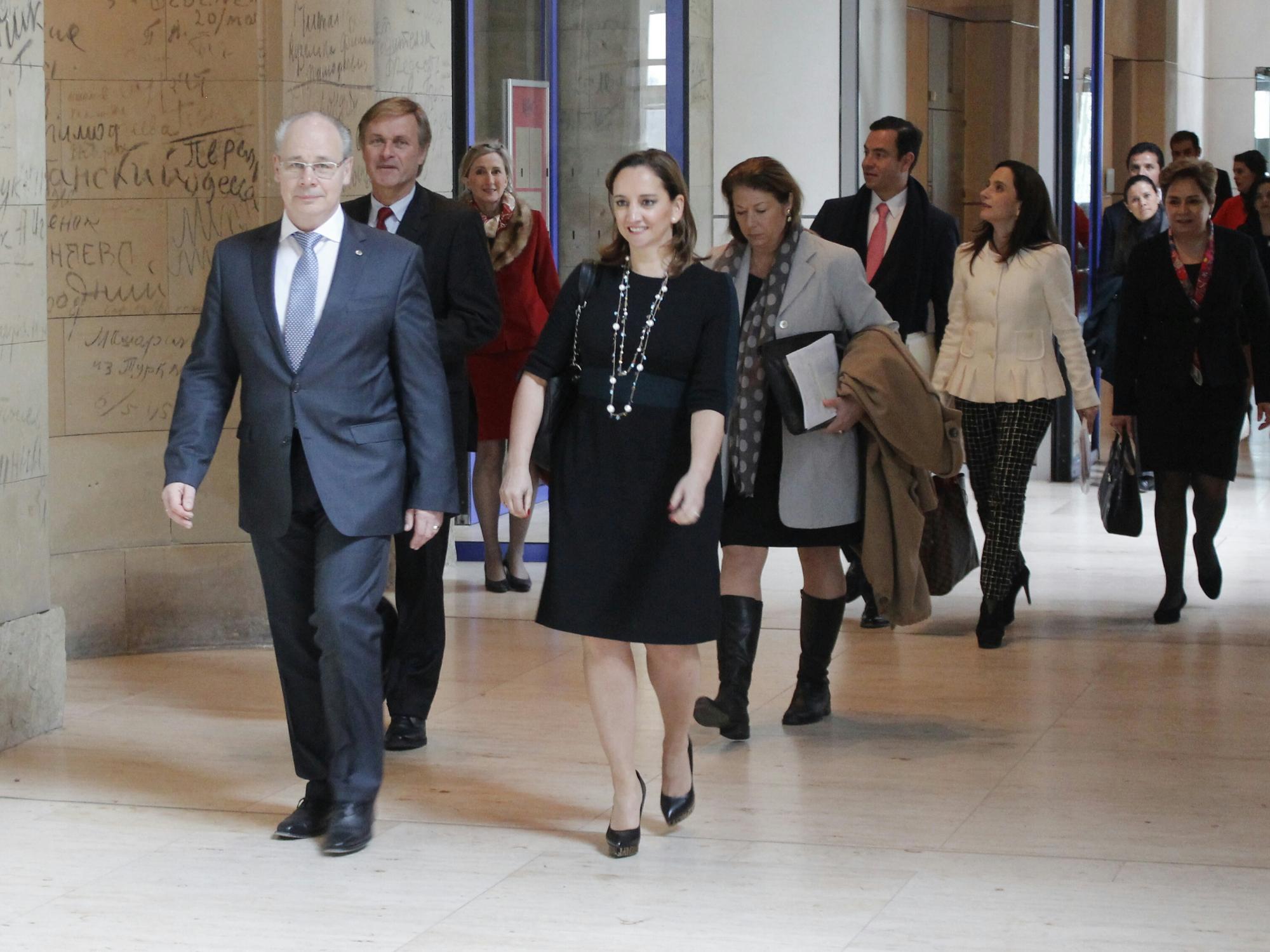 FOTO 5 Canciller Claudia Ruiz Massieu se reuni  con Diputados del Parlamento Federal de Alemania.jpg