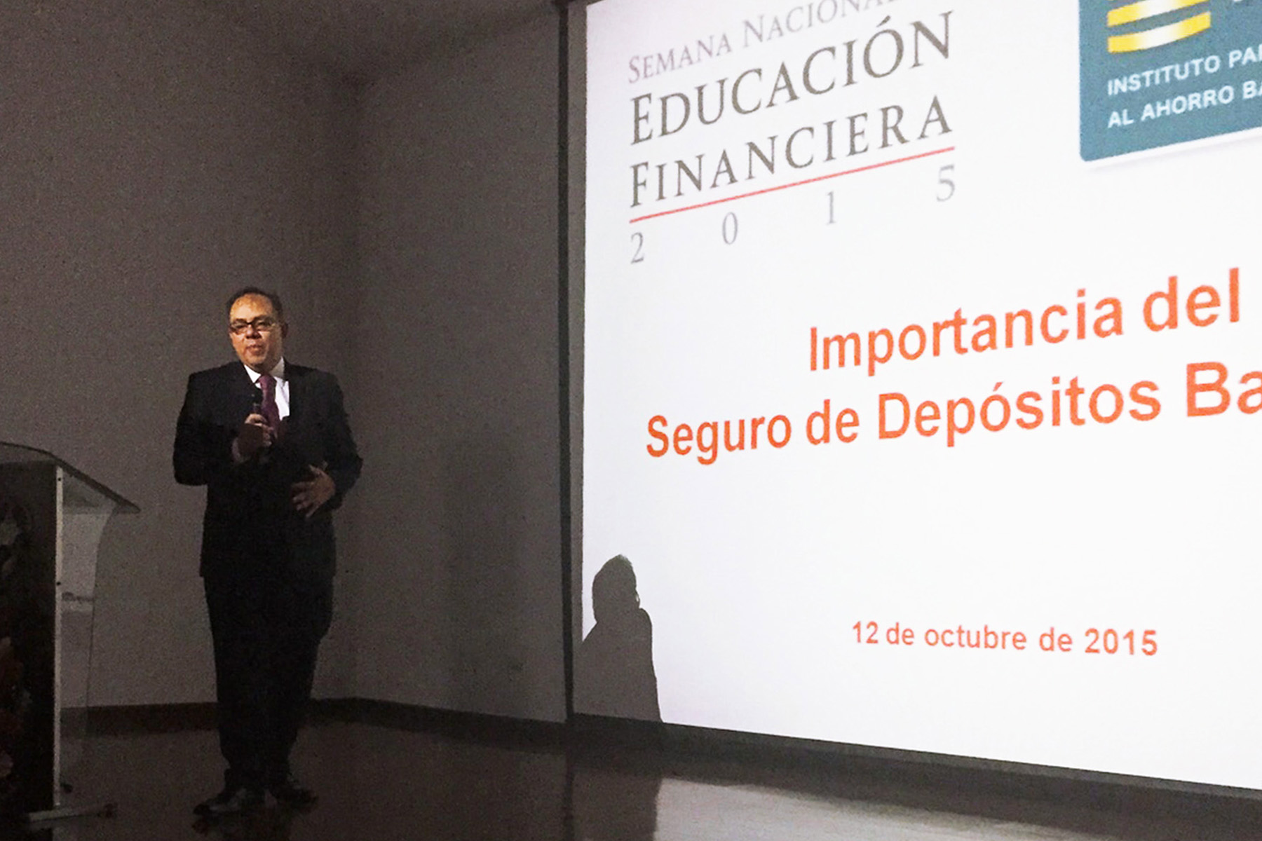 Alejandro Osorio, Director General de Comunicación Social y Relaciones Institucionales. Semana Nacional de Educación Financiera 2015, Cámara de Comercio de Chihuahua, Chih.