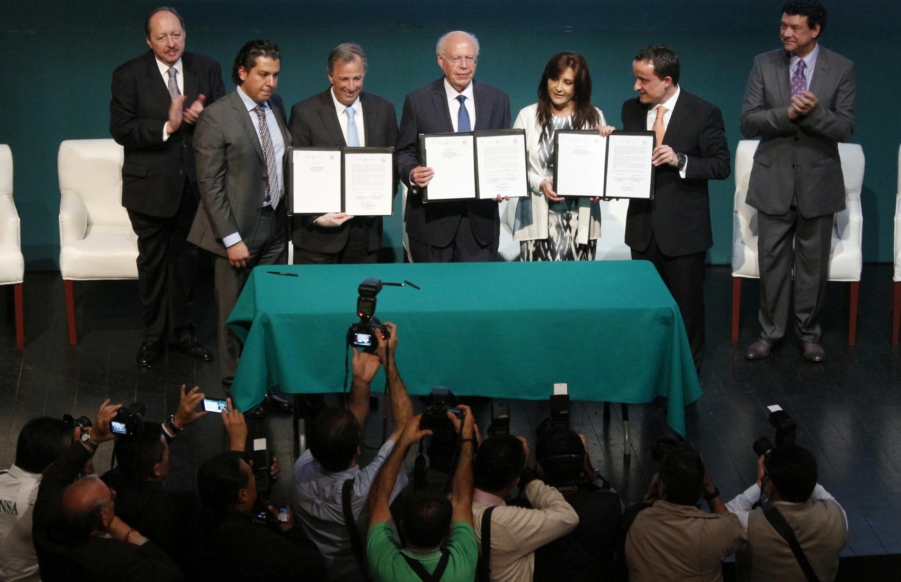 FOTO 3 Lanzamiento de la iniciativa  IMSS Digital para Todos .jpg