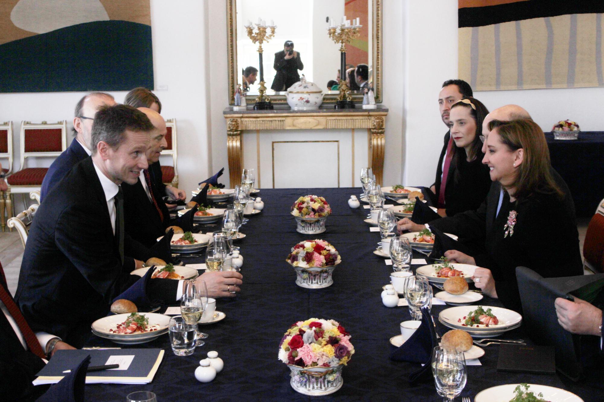 Canciller Claudia Ruiz Massieu con el Ministro Kristian Jensen 4jpg