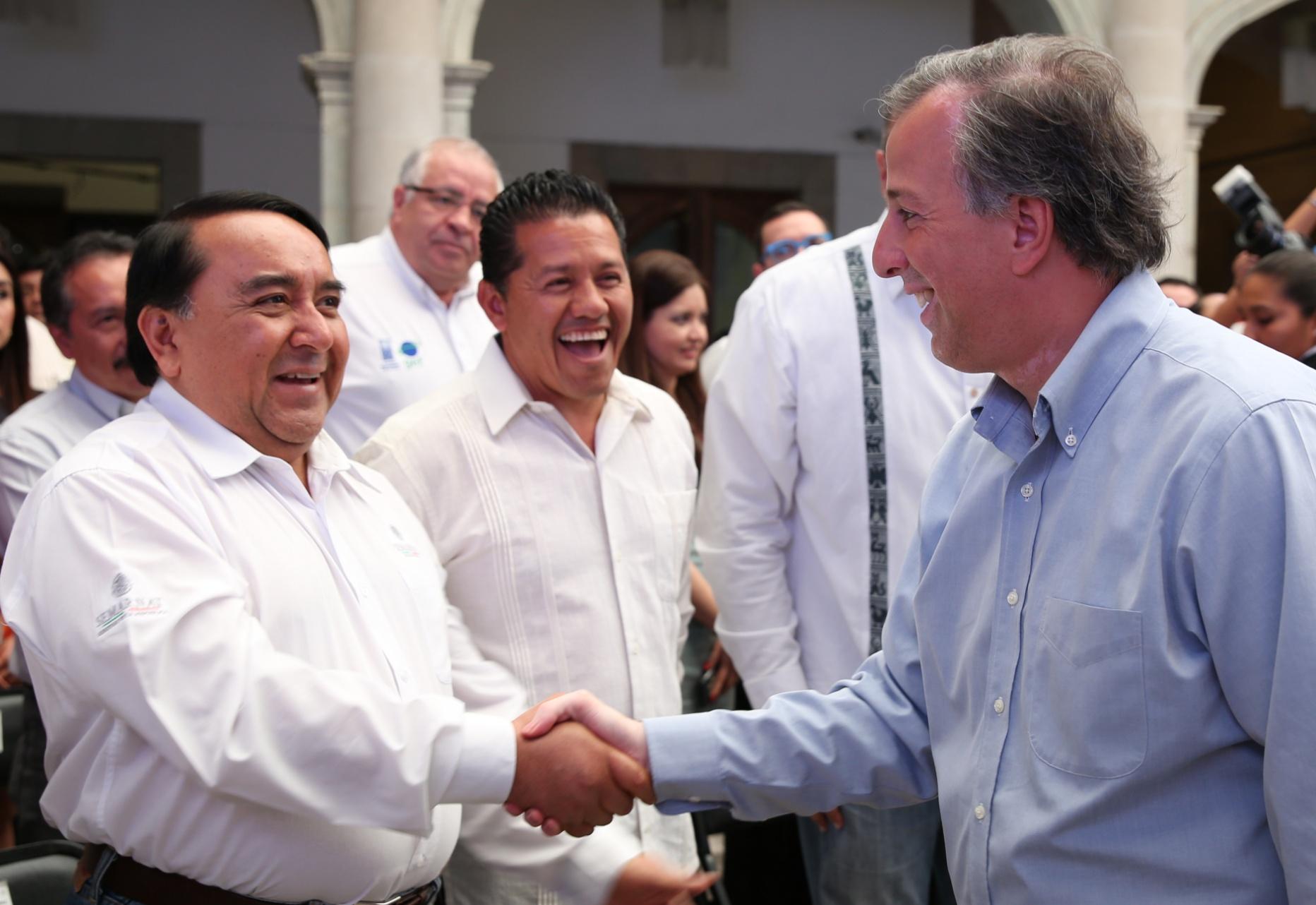 FOTO 2 Secretario Meade en el marco de su gira de trabajo al estado de Oaxaca.jpg