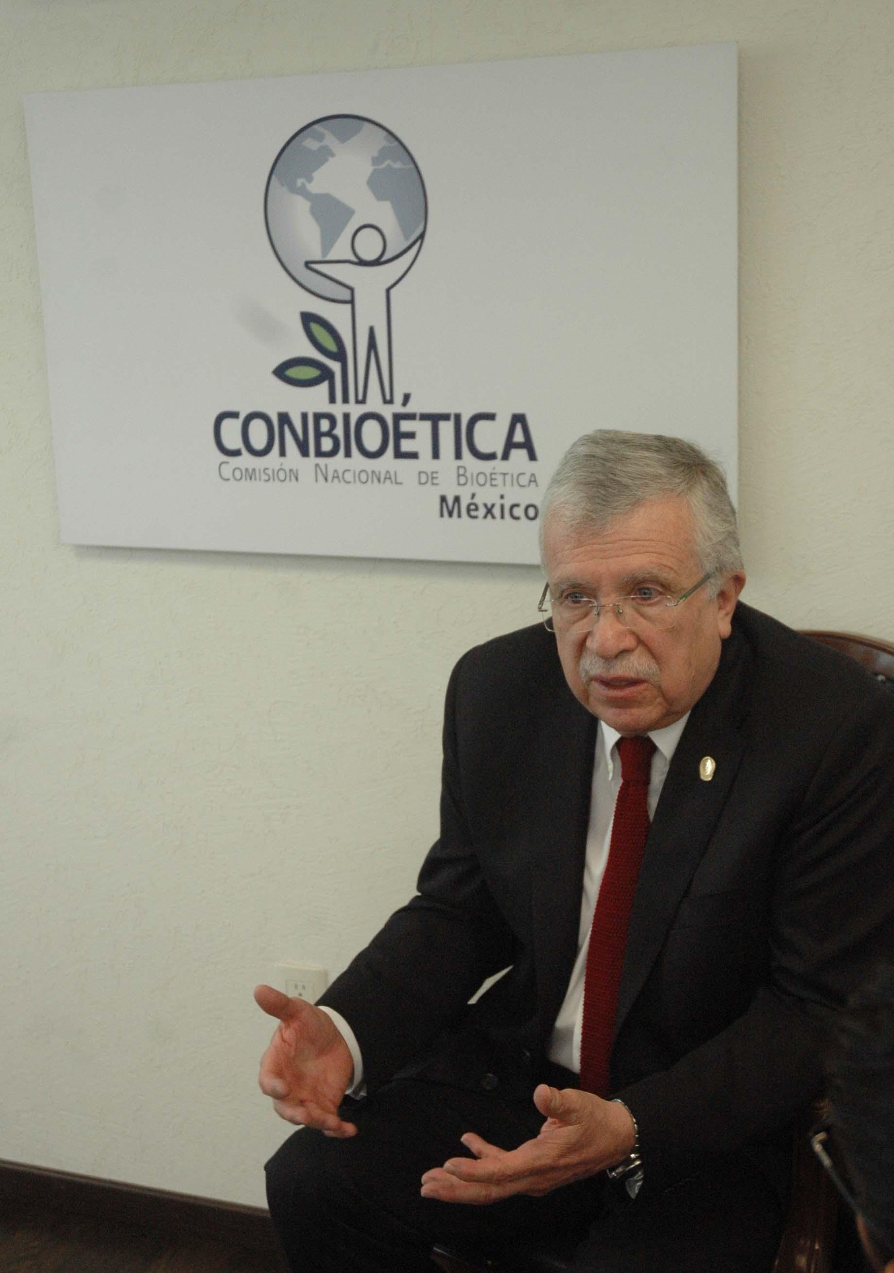 Dr Ruiz de Ch vez Bio tica1jpg