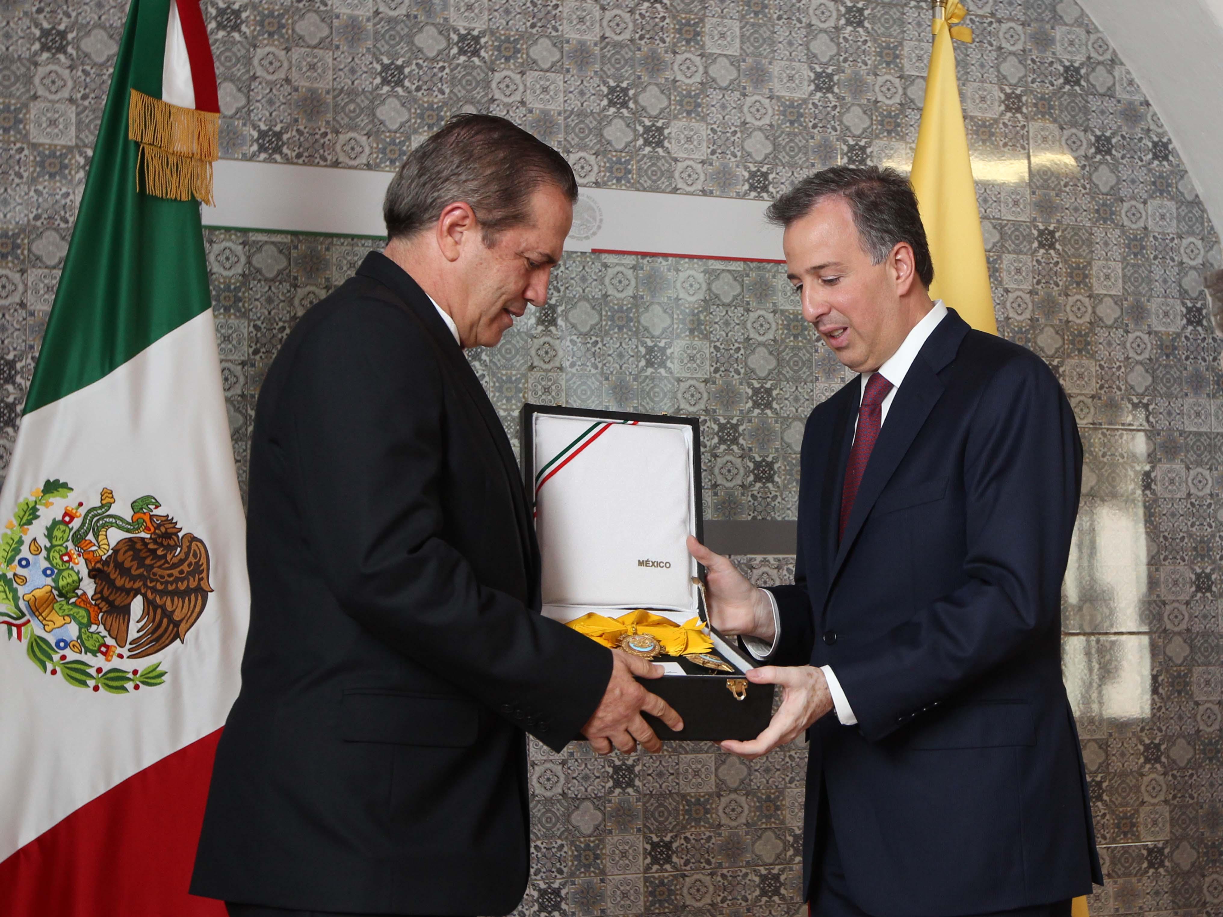 FOTO 1 Canciller Jos  Antonio Meade y su hom logo de Ecuador  Ricardo Pati o Aroca  jpg
