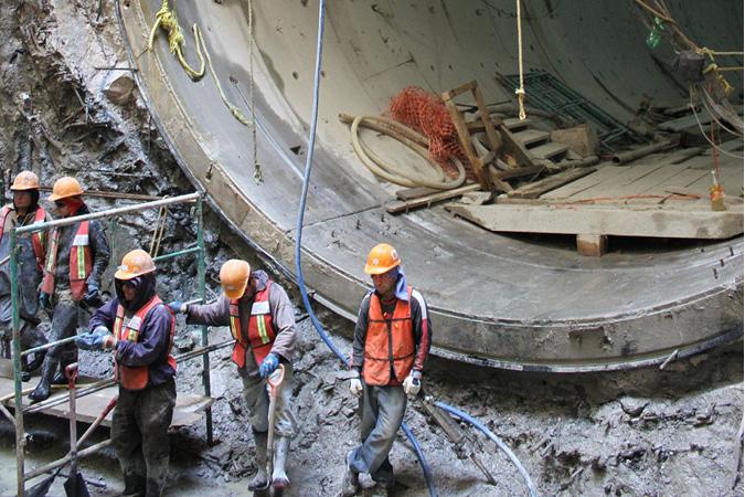 Los primeros 10 kilómetros del Túnel Emisor Oriente deben entrar en operación en la próxima temporada de lluvias: doctor David Korenfeld.