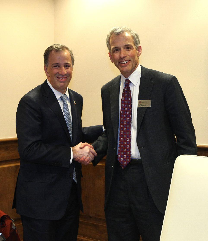Foto 2 El canciller Jos  Antonio Meade con el Fiscal de EU para el Distrito de Colorado John Walshjpg