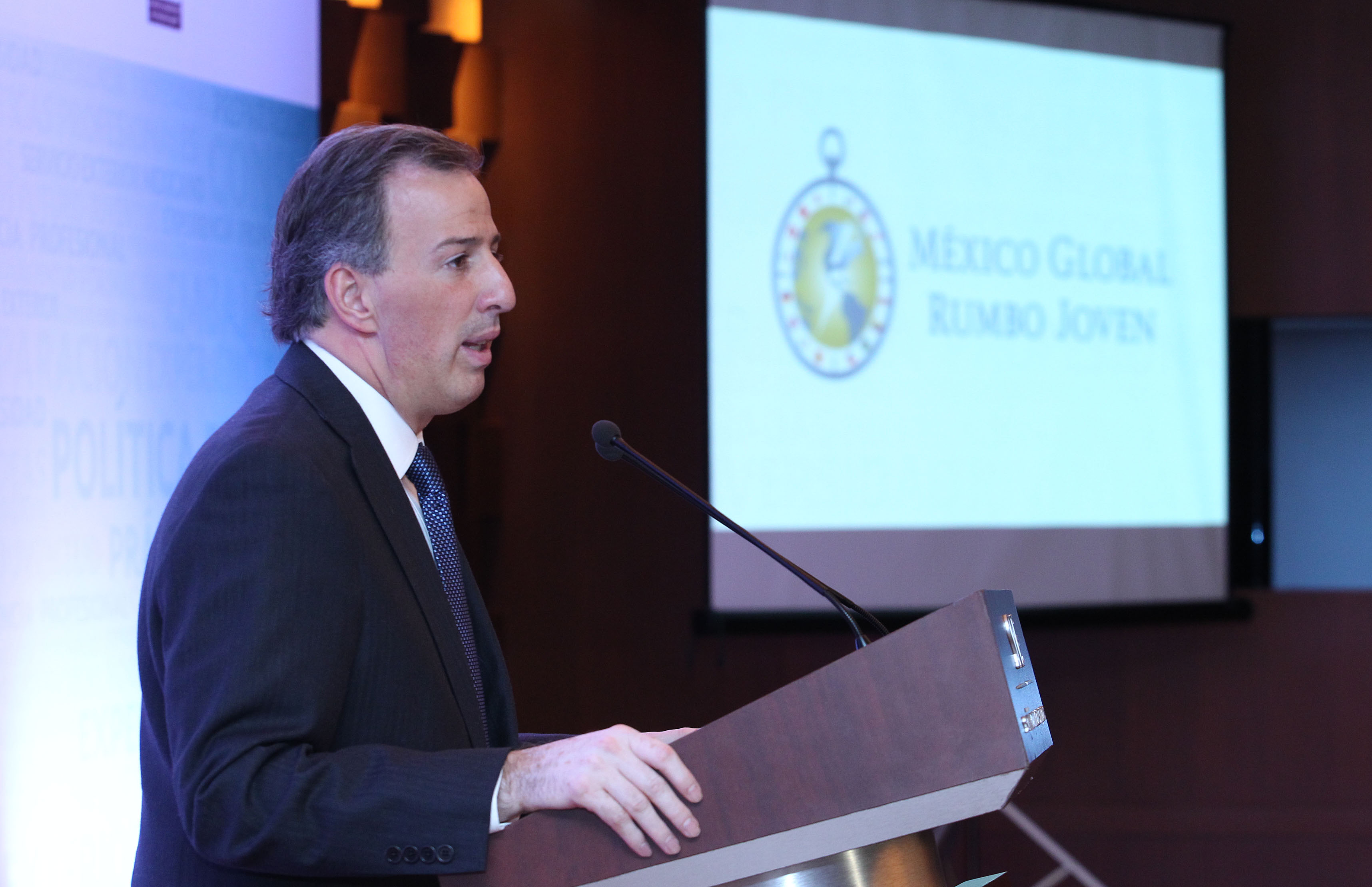 FOTO 2 Canciller Jos  Antonio Meade en el evento M xico Global Rumbo Jovenjpg