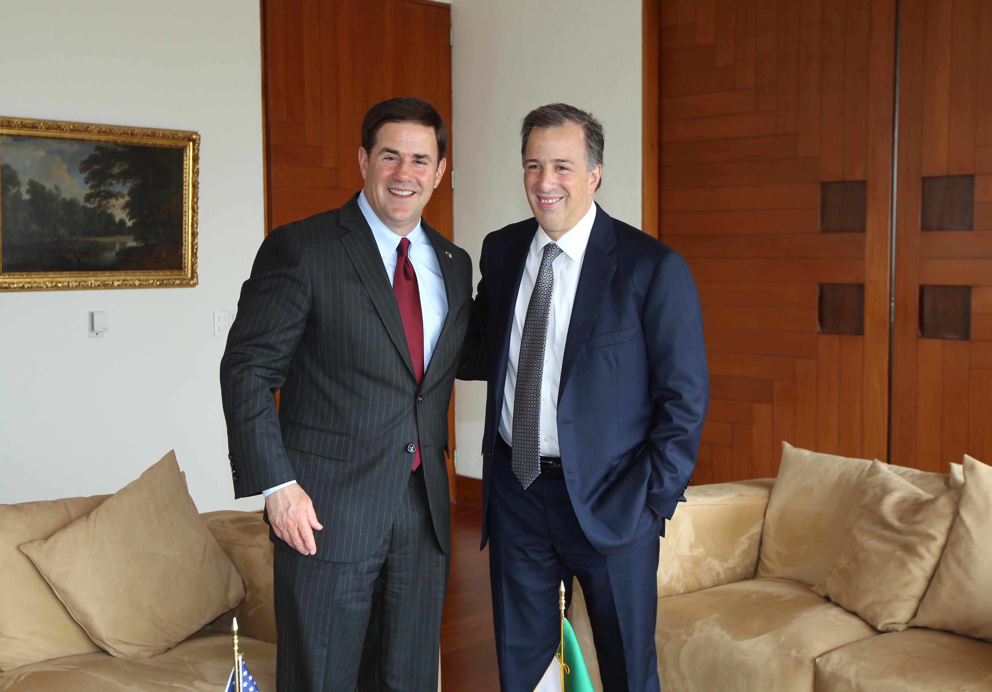 FOTO 1 Canciller Jos  Antonio Meade con el gobernador de Arizona  Doug Duceyjpg
