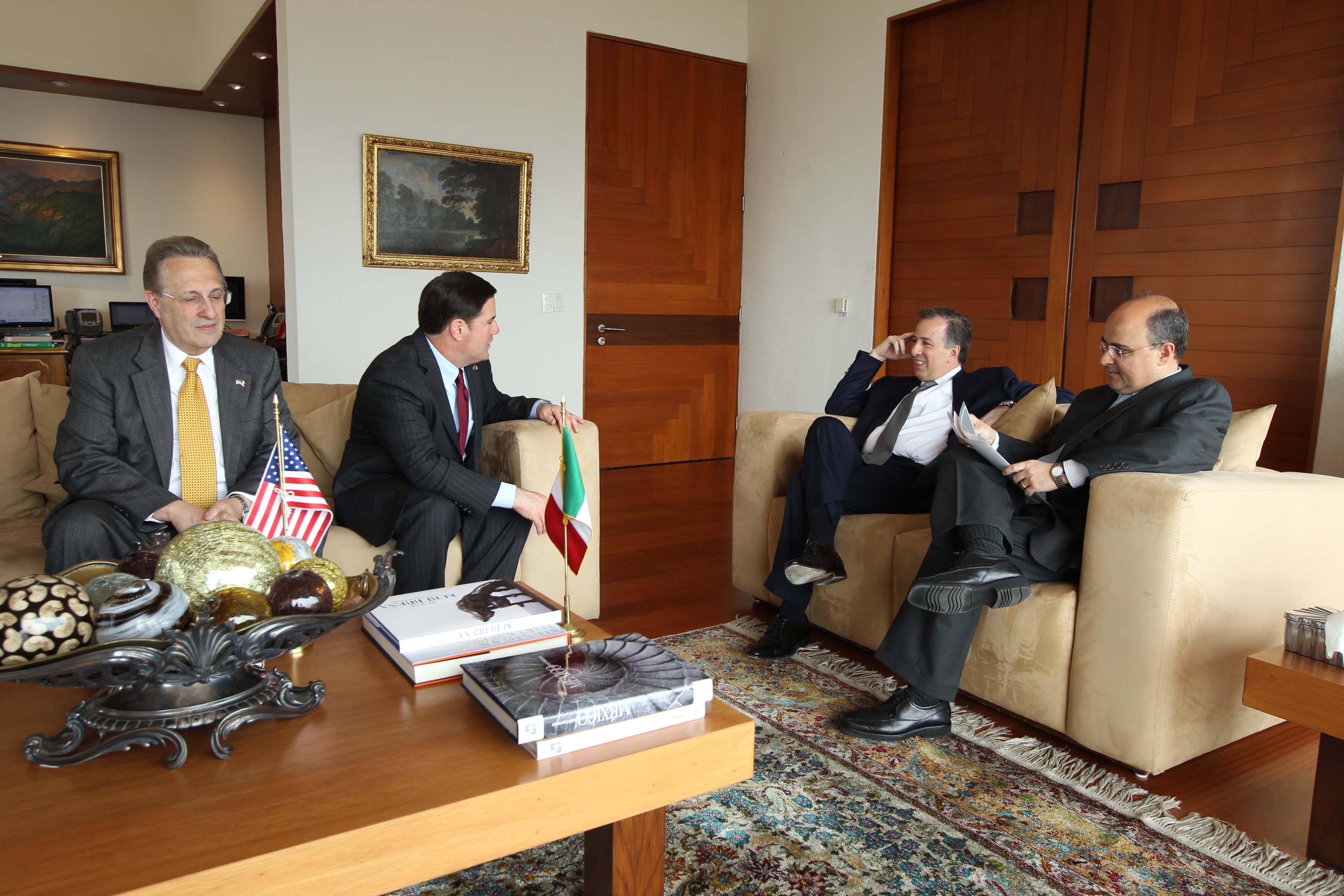 FOTO 2 Canciller Jos  Antonio Meade con el gobernador de Arizona  Doug Duceyjpg
