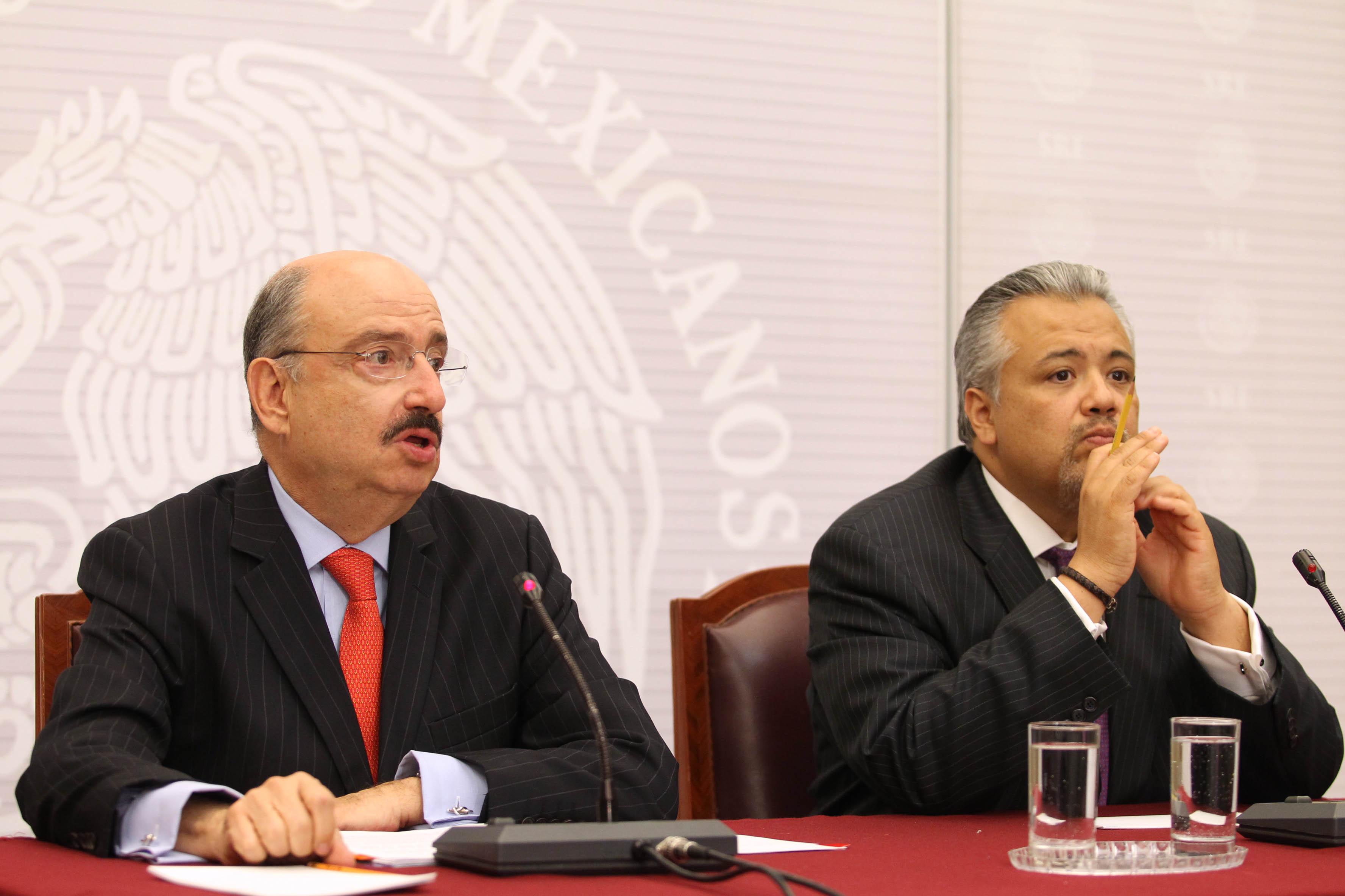 FOTO 1 Embajador Carlos de Icaza Gonz lez y Eduardo del R o  director general de Comunicaci n Socialjpg