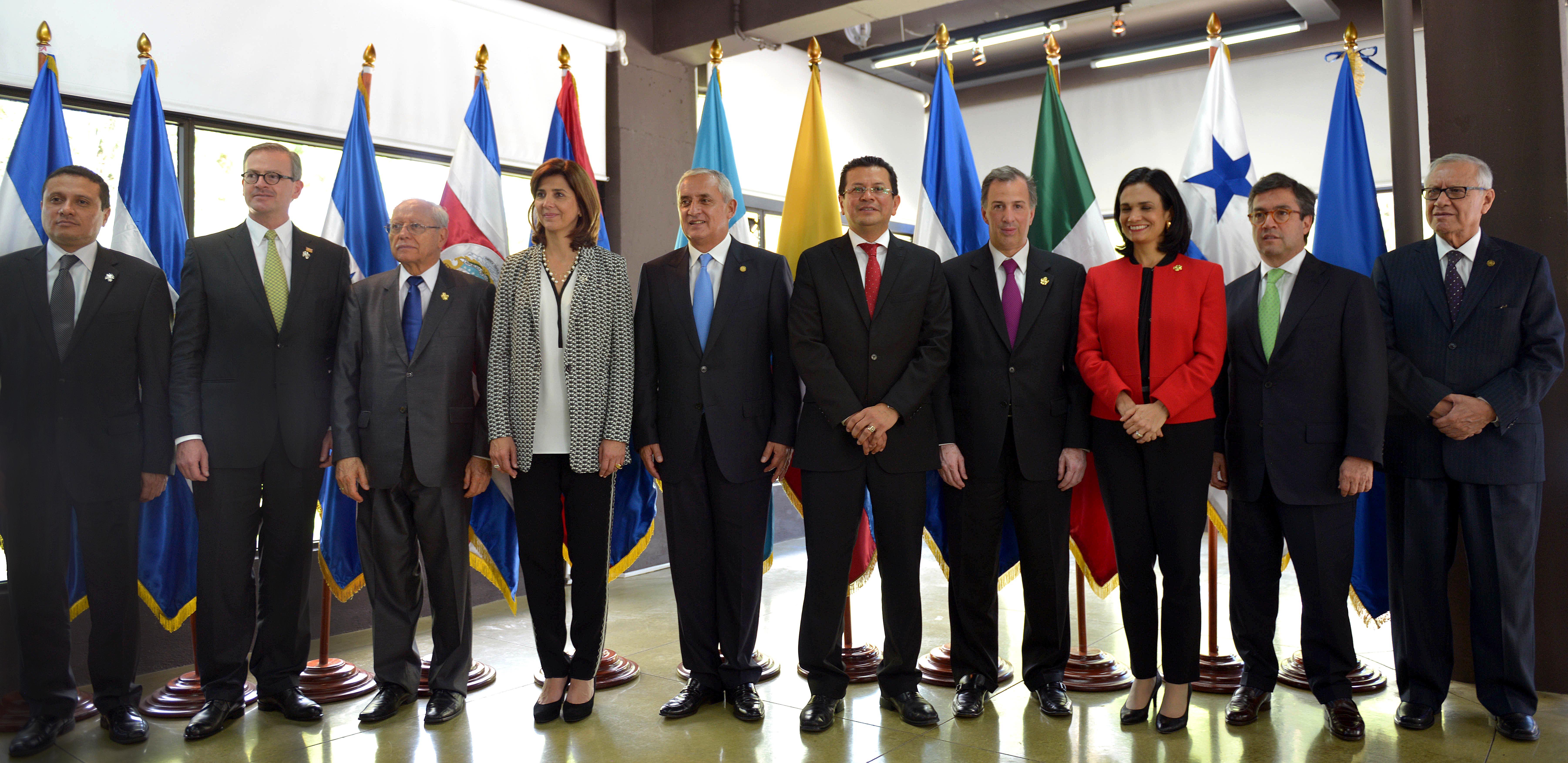 FOTO 1 Foto oficial de los ministros de Exteriores del Mecanismo de Di logo y Concertaci n de Tuxtlajpg