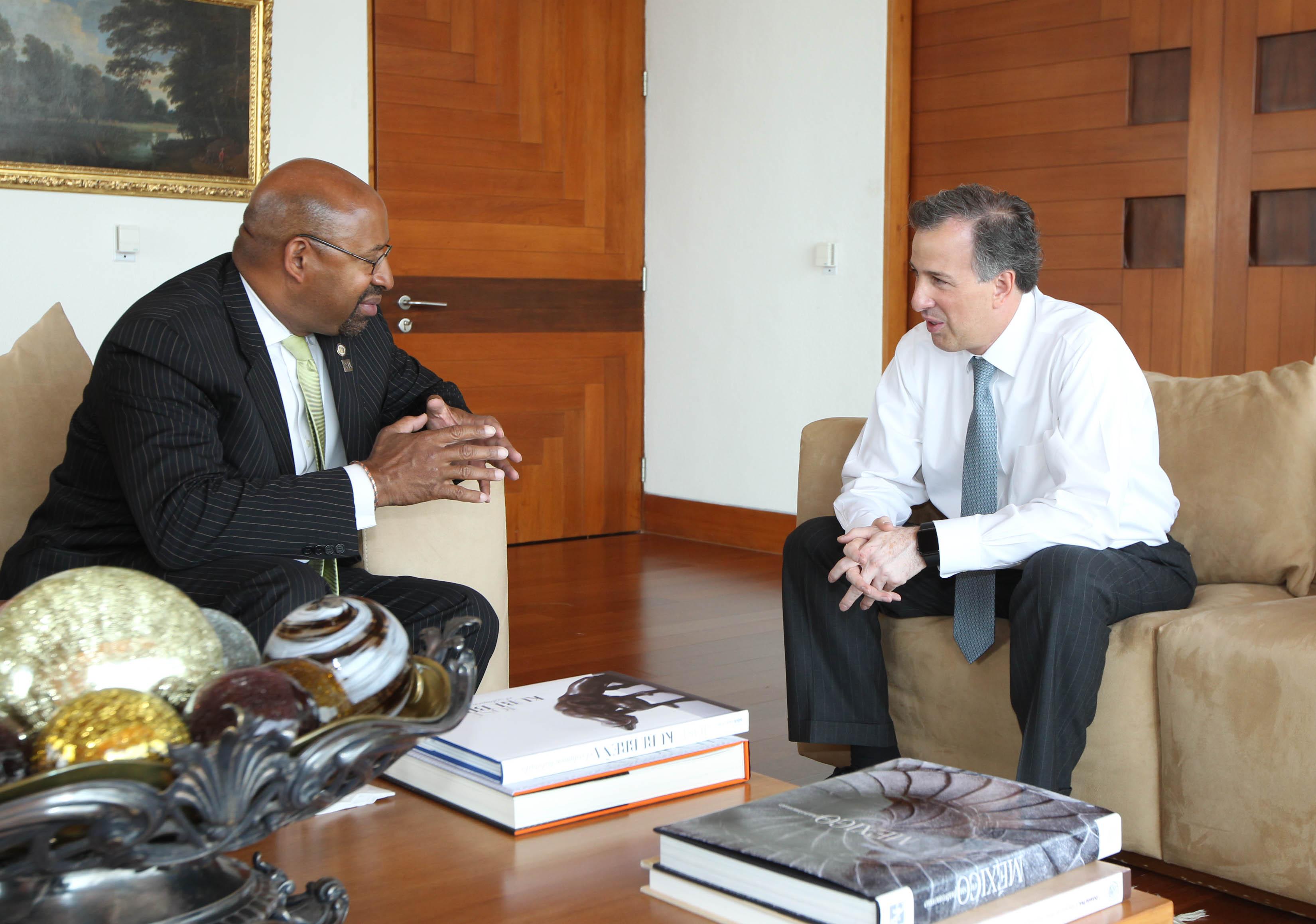 FOTO 1 Canciller Jos  Antonio Meade con el alcalde de Filadelfia  Michael Nutter.jpg