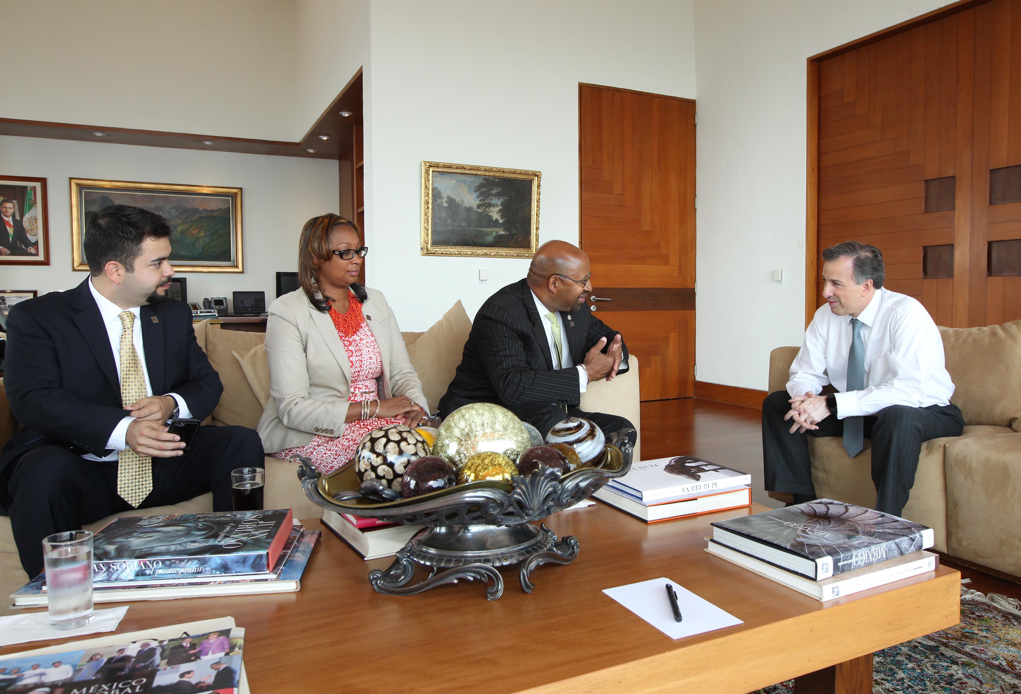 FOTO 2 Canciller Jos  Antonio Meade con el alcalde de Filadelfia  Michael Nutter.jpg