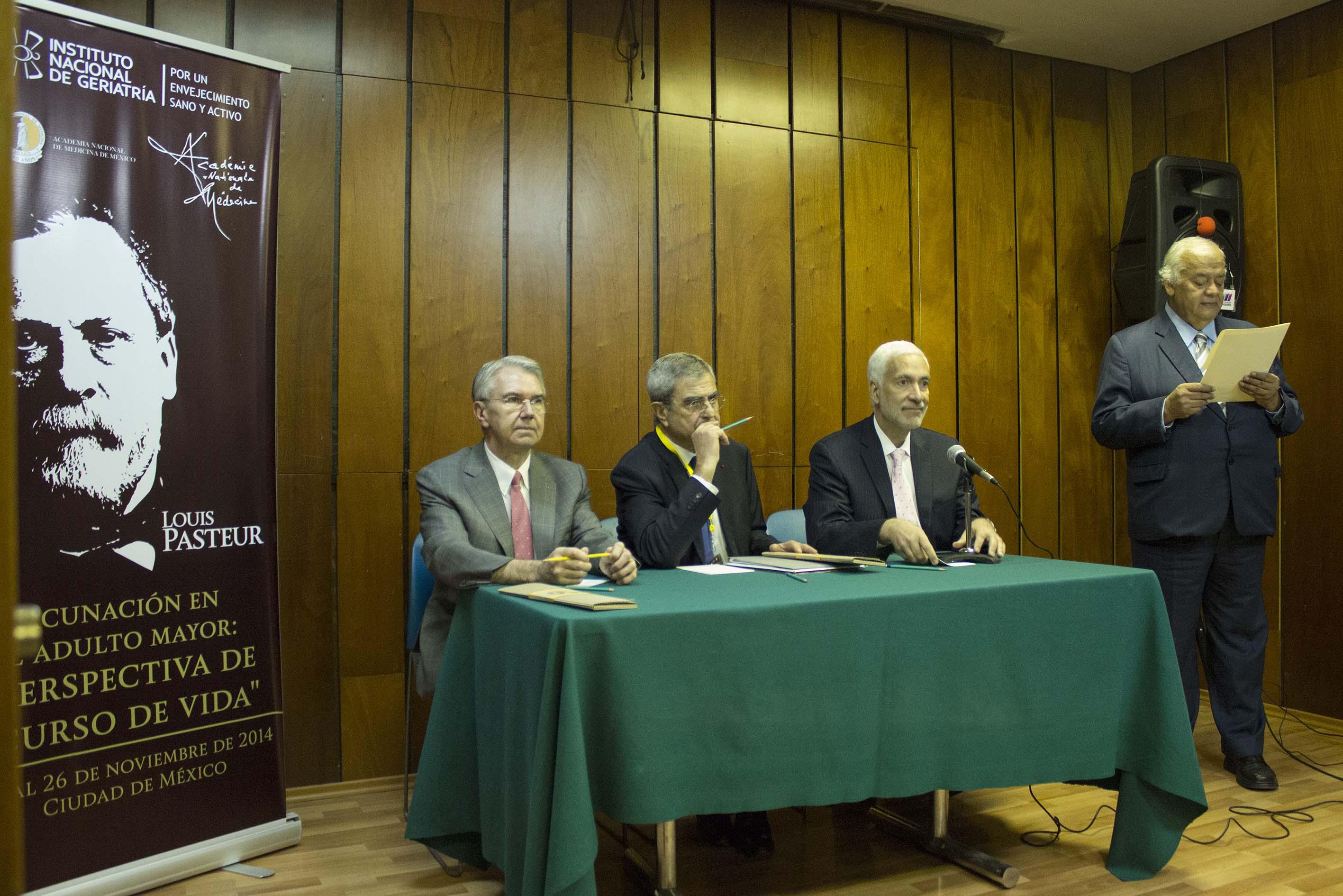 CONFERENCIA DE PRENSA VACUNACIu00D3N EN EL ADULTO MAYOR PERSPECTIVA DE CURSO DE VIDA261114  1 .jpg