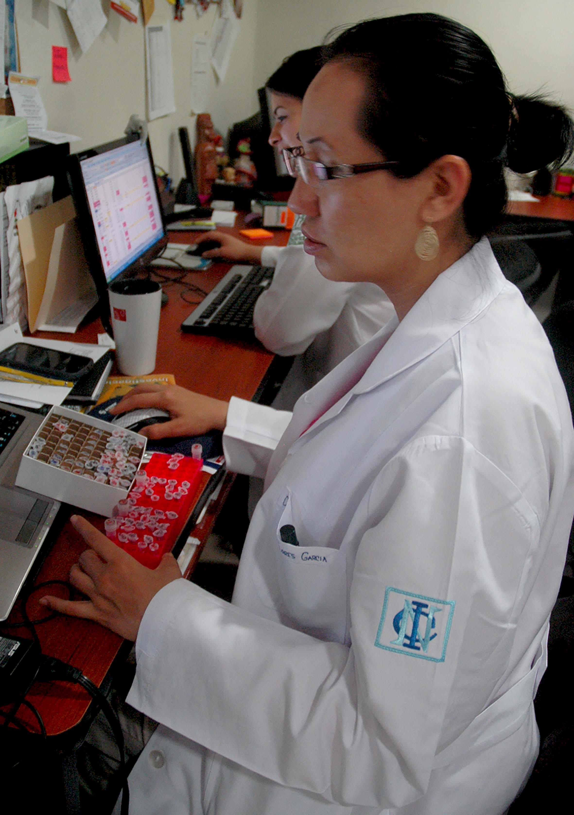 070715 Cardiolog a  Laboratorios 03.jpg