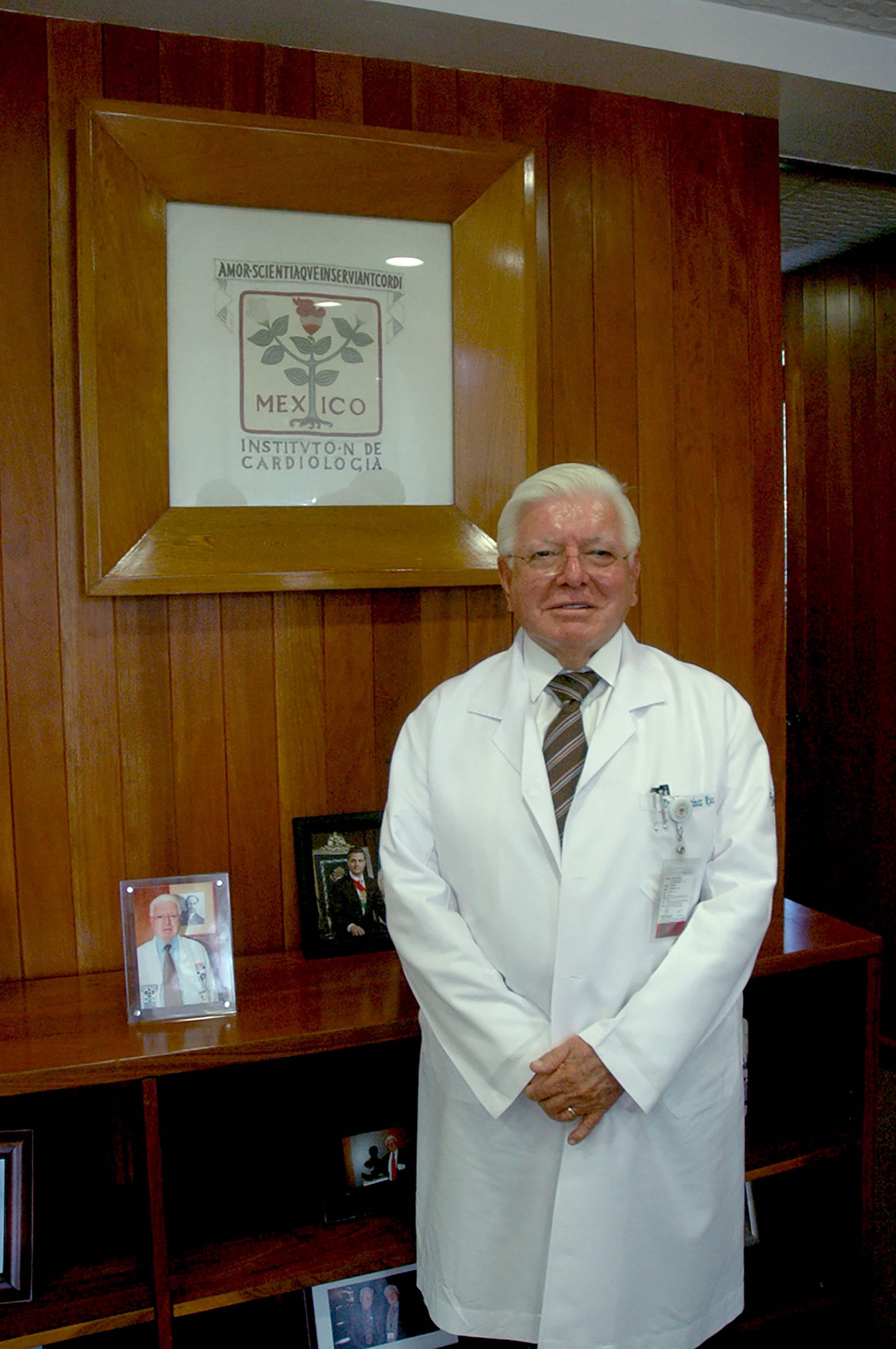 070715 Dr. Marco Antonio Mart nez R os Dir. Gral. 01.jpg