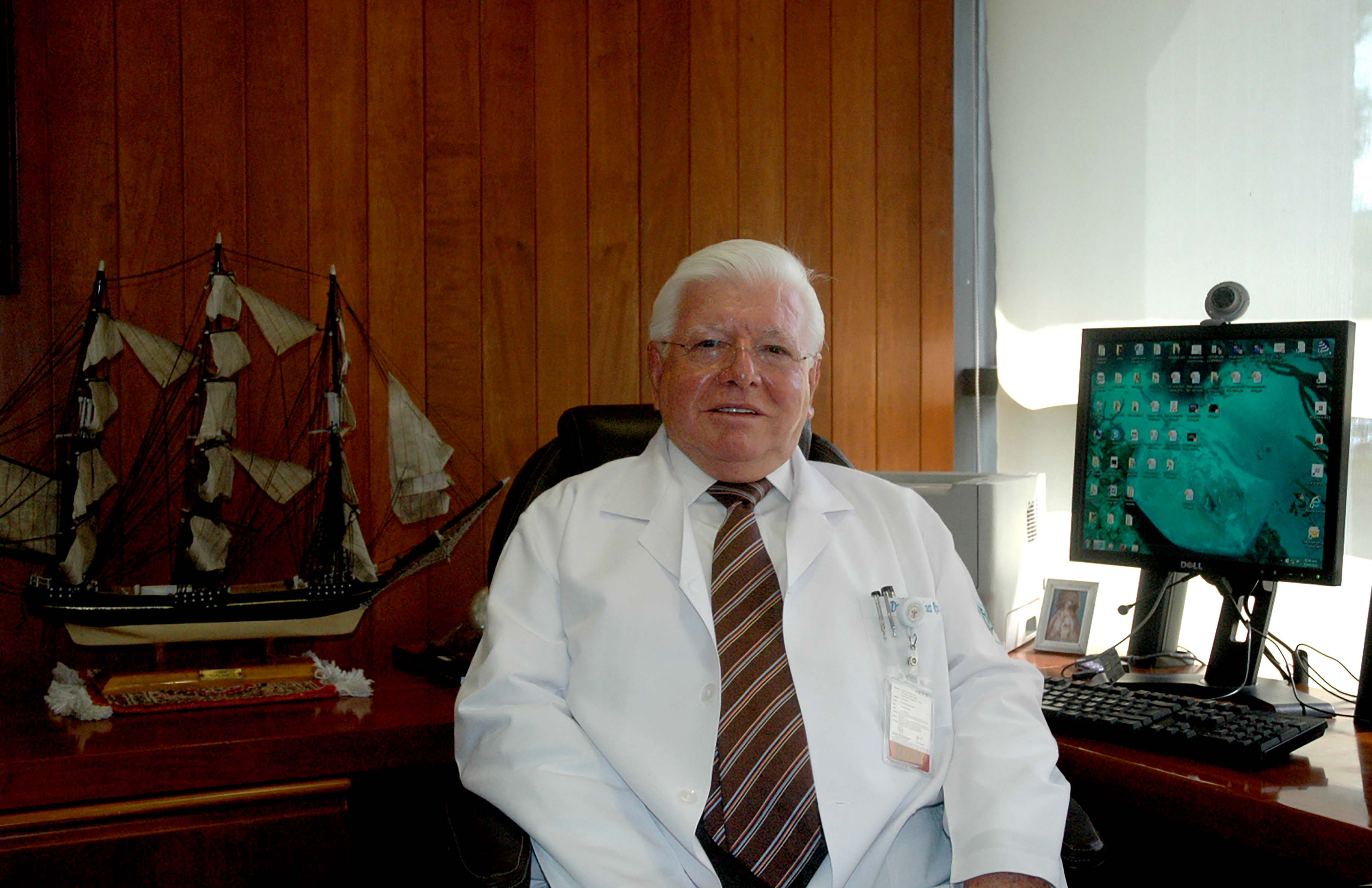 070715 Dr. Marco Antonio Mart nez R os Dir. Gral. 02.jpg