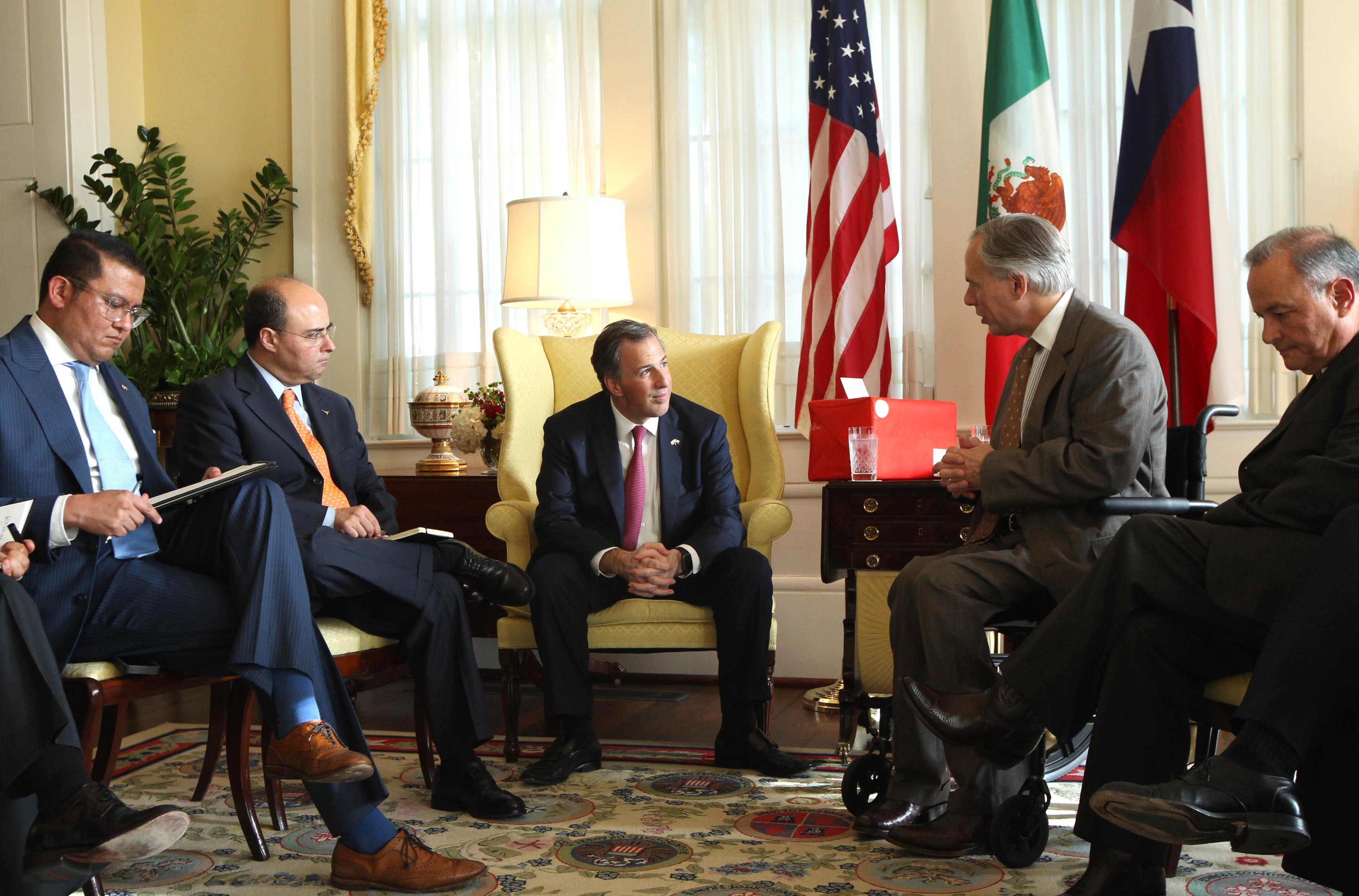 FOTO 2 Canciller Jos  Antonio Meade en encuentro con el gobernador de Texas  Greg Abbott.jpg
