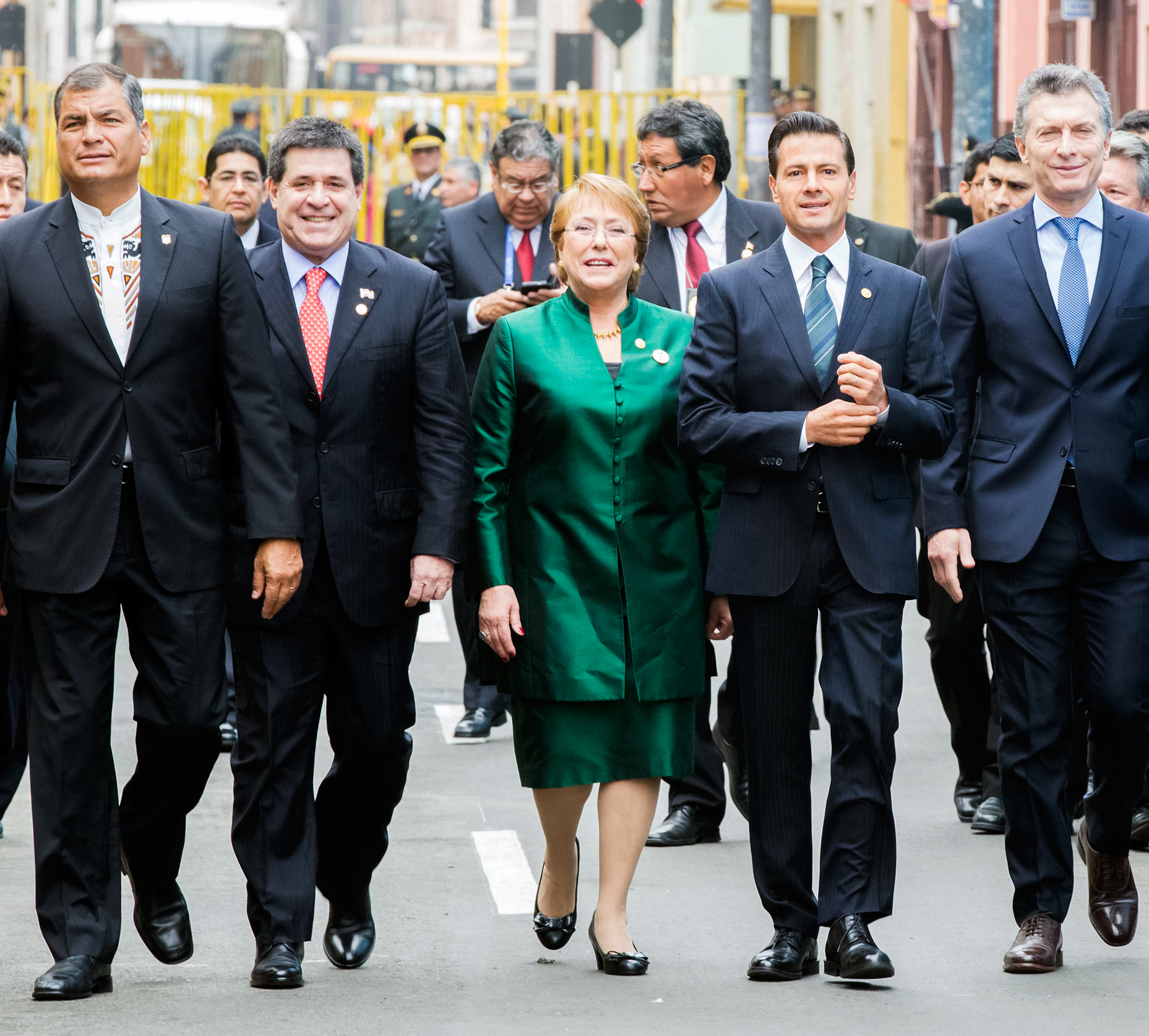 /cms/uploads/image/file/237948/Jul28_CeremoniaTransmisio_nDelMandoSupremoPeru_.jpg
