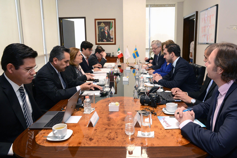Reuni n bilateral y mesa de trabajo entre delegaciones de for Mesa funcion publica