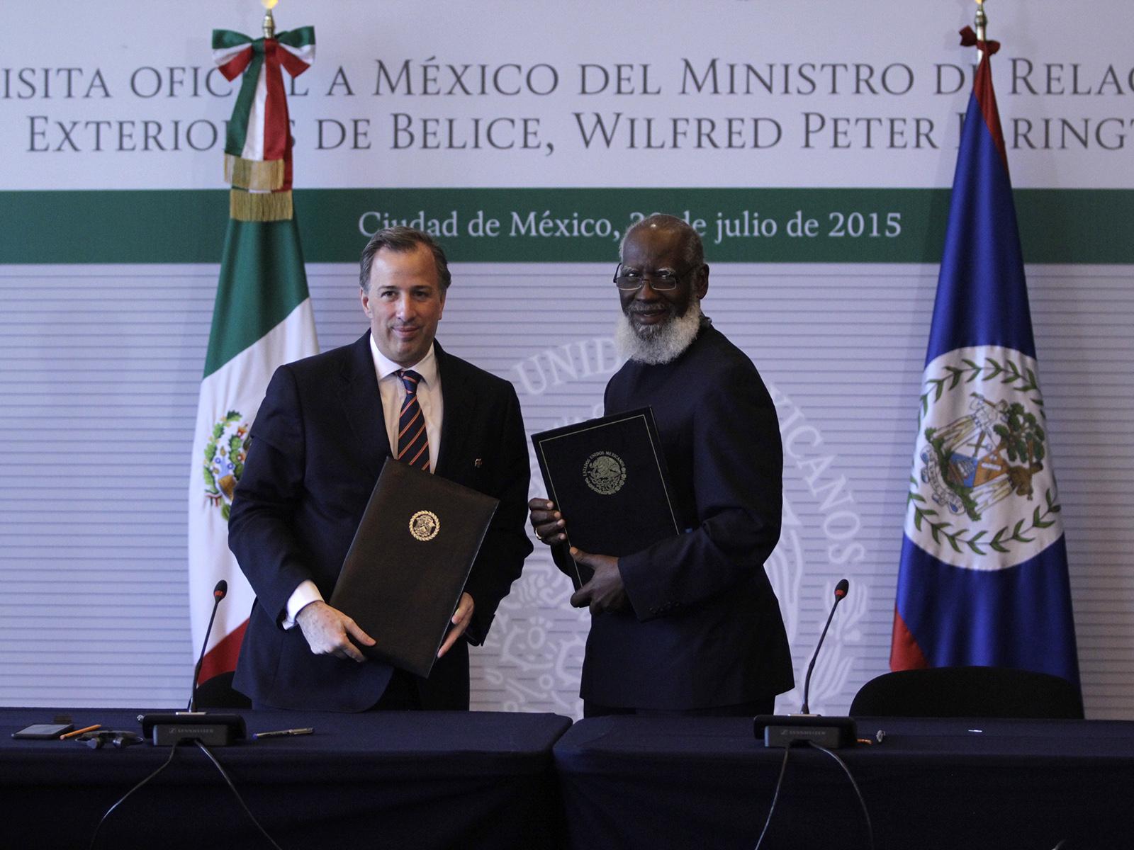 FOTO 1 Canciller Jos  Antonio Meade con el ministro de Asuntos Exteriores de Belice  Wilfred Peter Elrington.jpg
