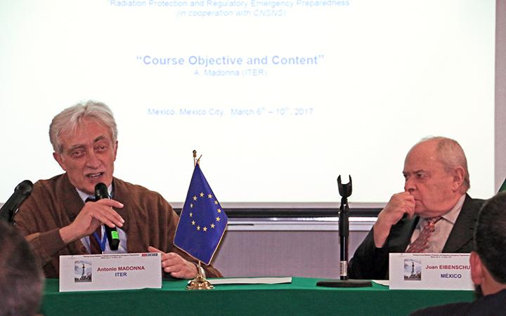 Antonio Madonna de ITER y Juan Eibenschutz de la CNSNS, dieron la bienvenida al curso.
