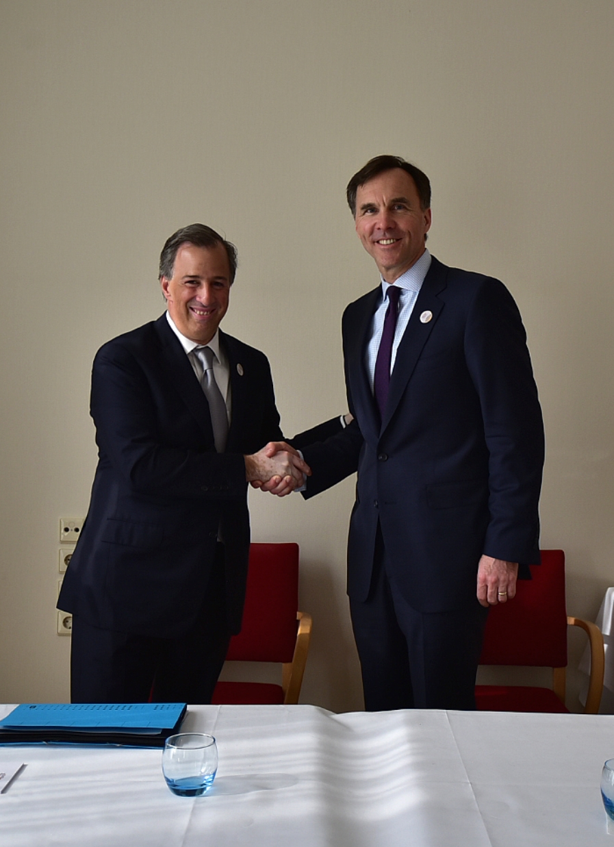 Foto 2 secretario meade durante el encuentro con su hom logo de canad   william morneau