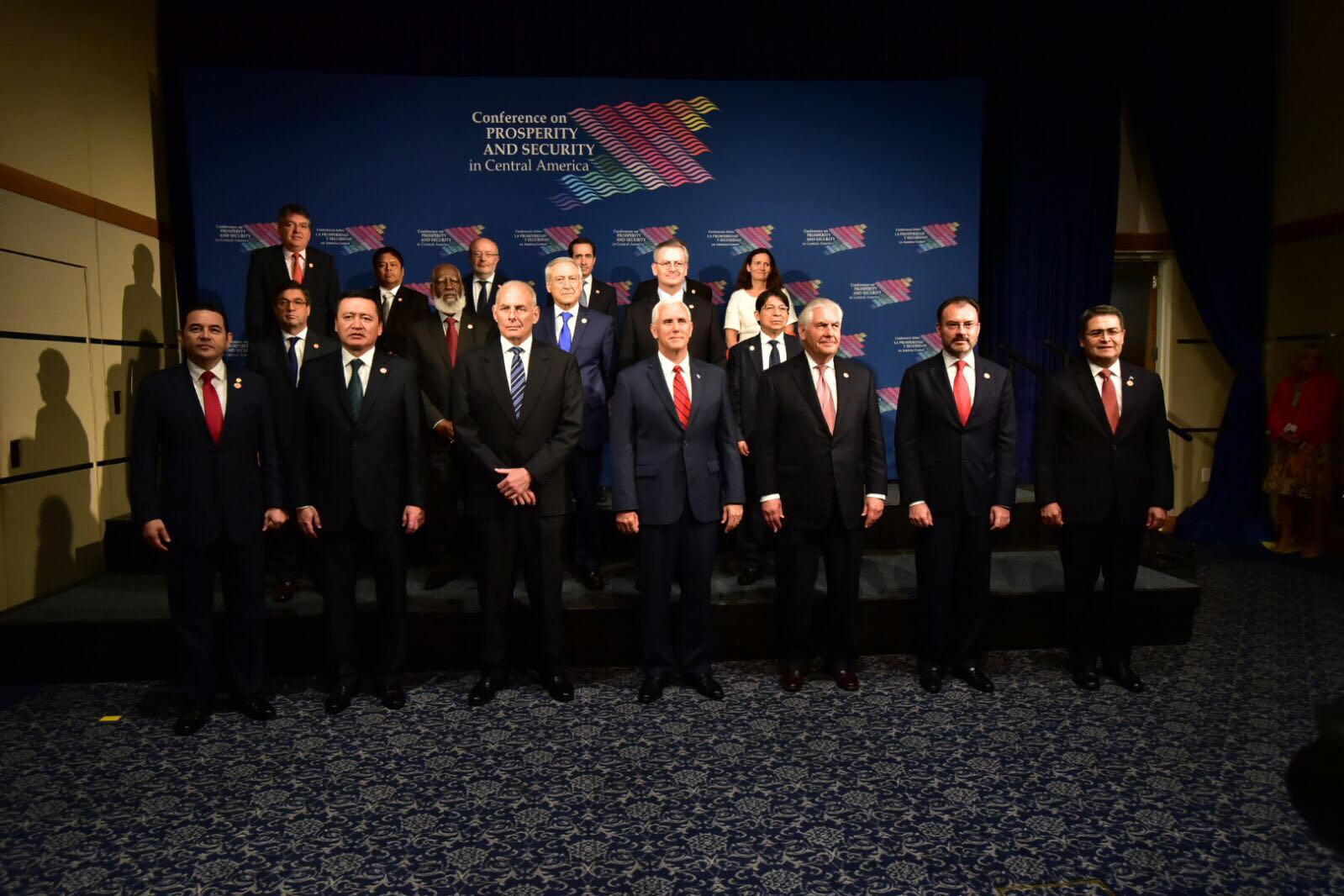 /cms/uploads/image/file/290065/Foto_oficial_de_la_Conferencia_sobre_Prosperidad_y_Seguridad_en_Centroam_rica.jpeg
