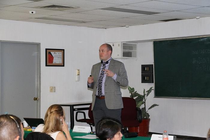Sr. James Conner, Oficial de Seguridad Física Nuclear, especialista en los Centros de Apoyo a la Seguridad Física Nuclear (NSSC), División de Seguridad Nuclear, OIEA.