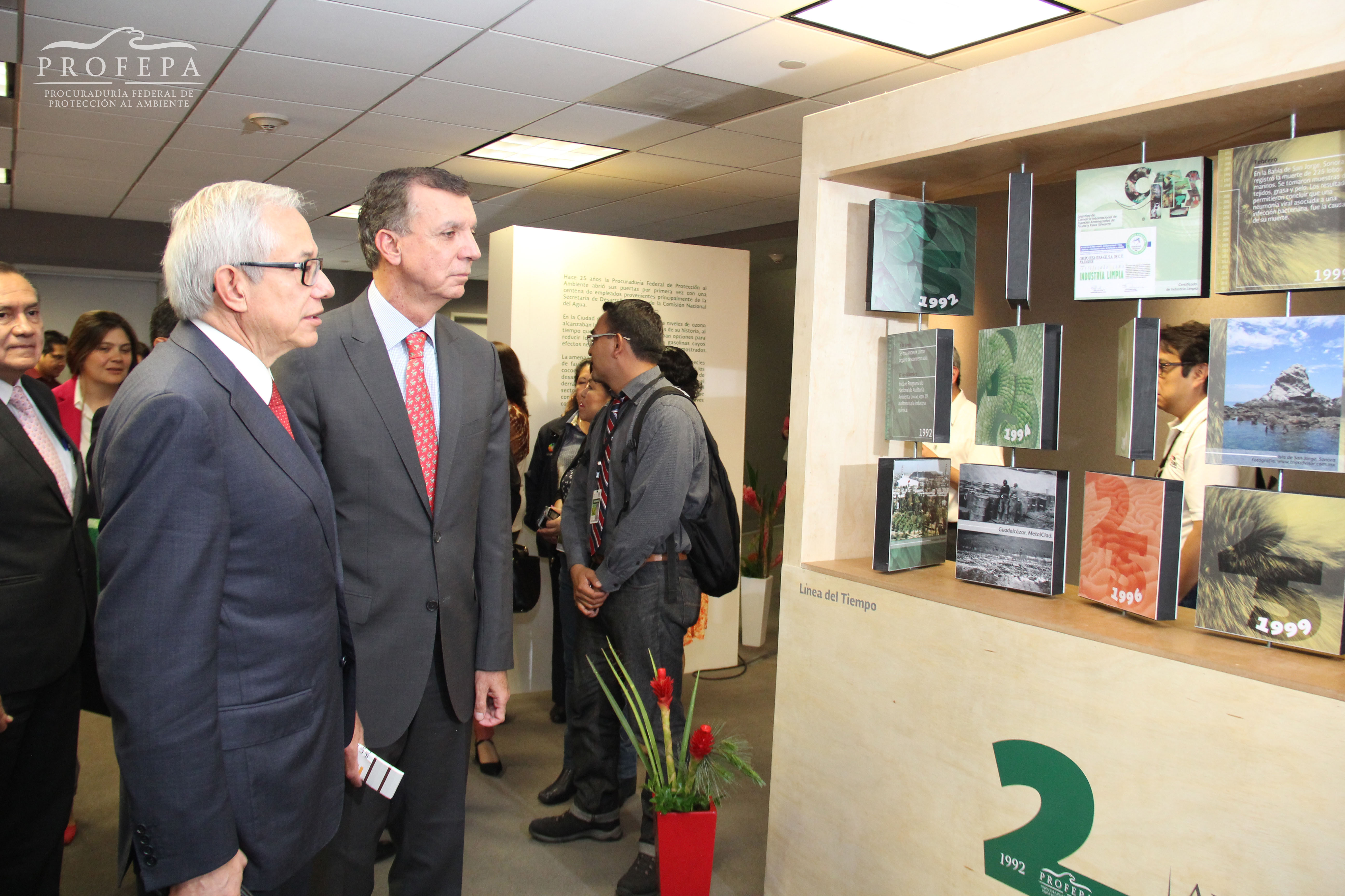 La Procuraduría Federal de Protección al Ambiente (PROFEPA) y el Sistema de Transporte Colectivo Metro (STC)  develaron el boleto conmemorativo por el 25 Aniversario de la PROFEPA, cuya venta --de un total de diez millones-- iniciará la próxima semana.