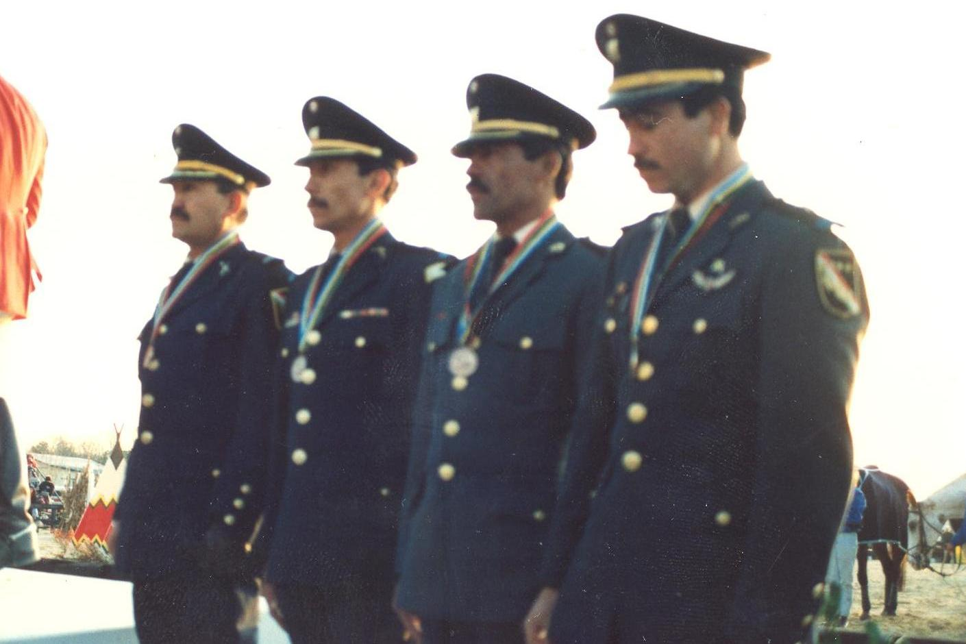 22 EQUIPO ECUESTRE CUBA 1991jpg
