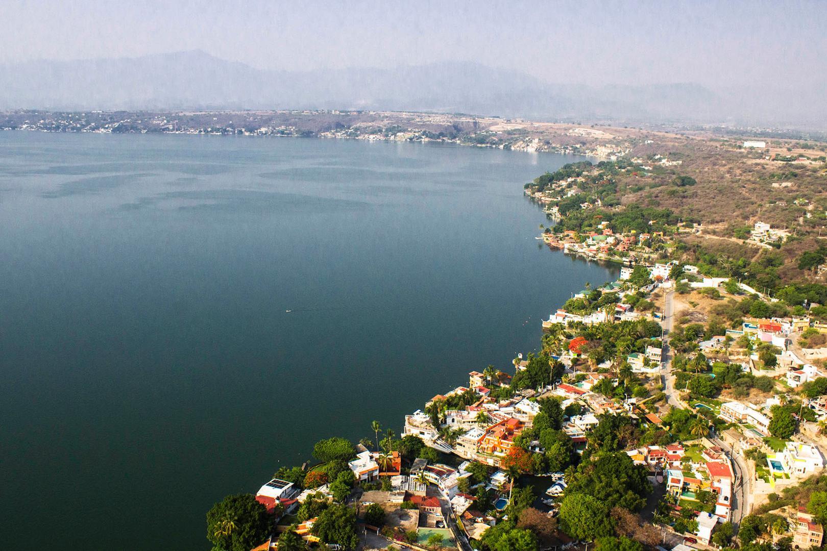 Lago de Tequequitengo, de los más bonitos de México