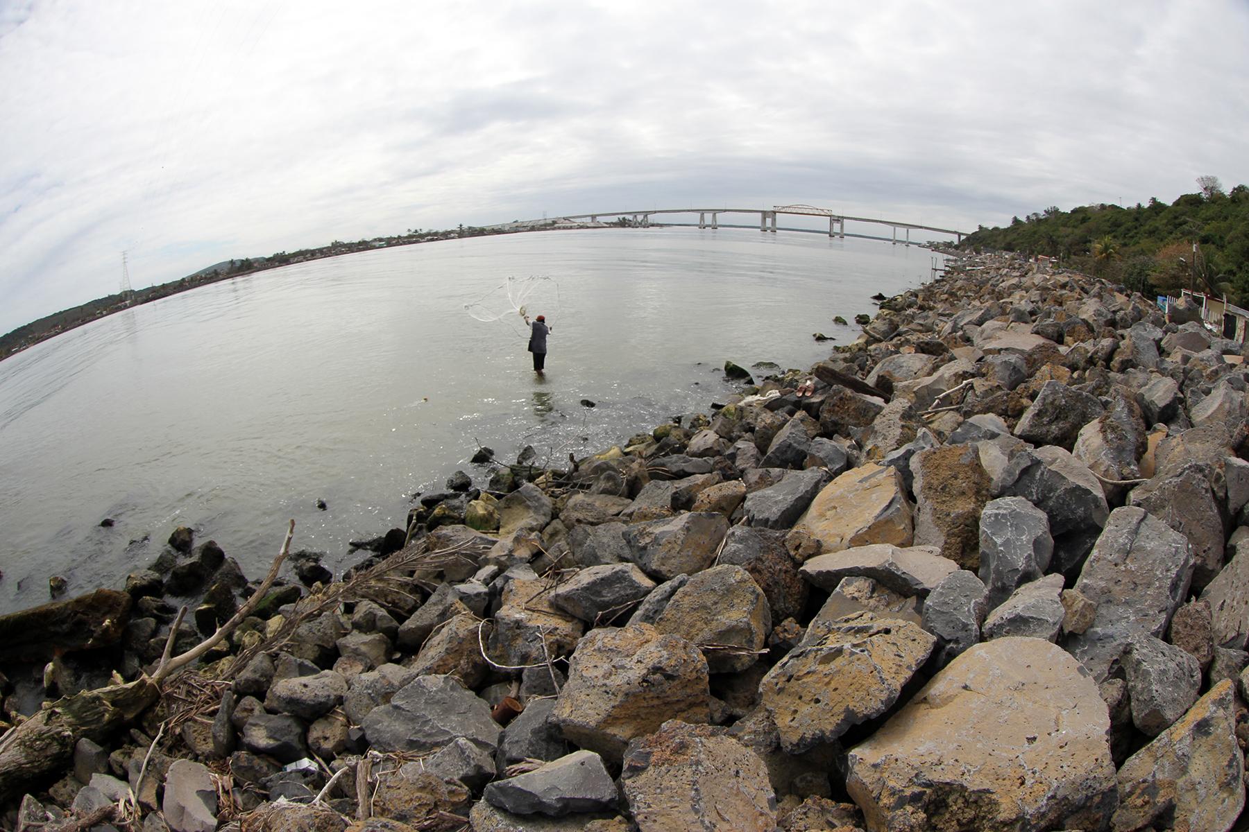 Obras de protección de la margen izquierda del río Papaloapan.