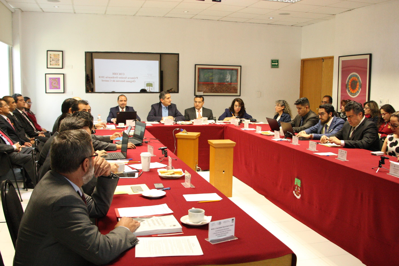 Todas las autoridades presentes en la  1ª Sesión Ordinaria del COCODI durante la misma.