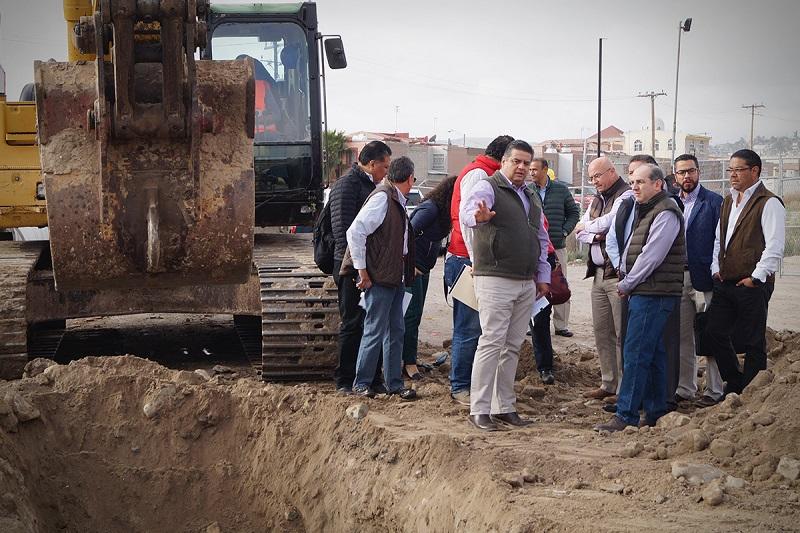 Funcionarios de la Conagua supervisan las acciones de rehabilitación de los colectores Principal y Poniente.