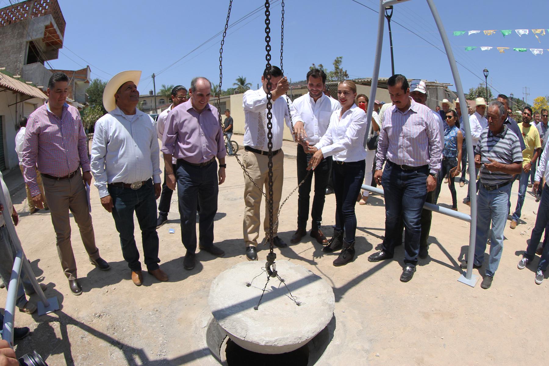 La red de alcantarillado construida en Campostela permite que la cobertura llegue a 100 por ciento y que mil personas más tengan acceso a este servicio, con lo que se mejoran sus condiciones ambientales y sanitarias.