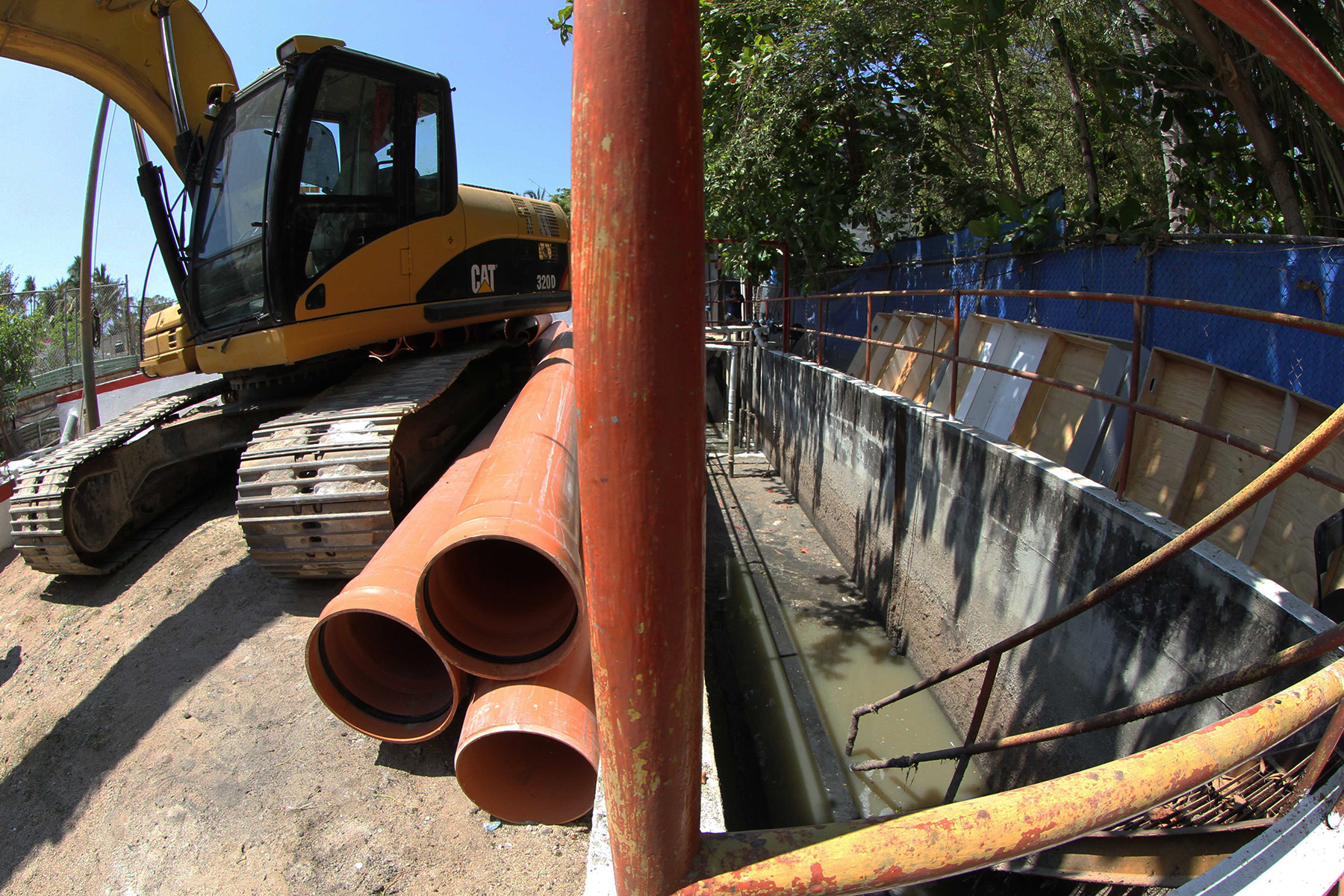 La planta de tratamiento de aguas residuales de Sayulita forma parte de un círculo que involucra el reúso del agua en áreas verdes.