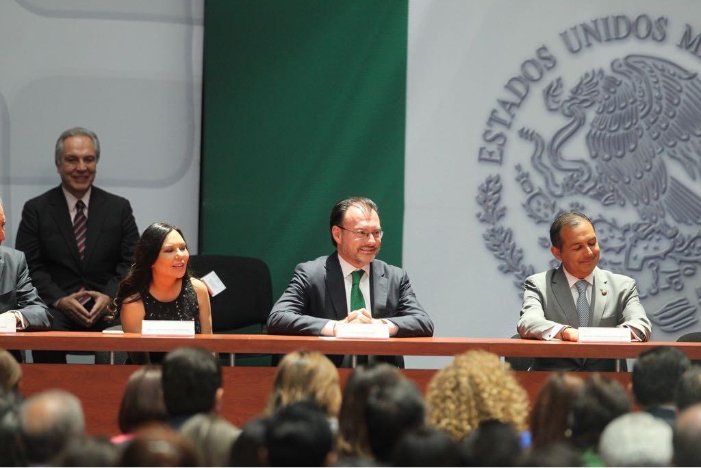 /cms/uploads/image/file/394751/FOTO_5_Fortalece_el_Presidente_Enrique_Pe_a_Nieto_la_diplomacia_mexicana....jpg