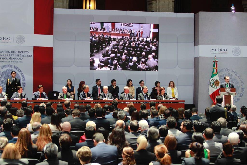 /cms/uploads/image/file/394752/FOTO_7_Fortalece_el_Presidente_Enrique_Pe_a_Nieto_la_diplomacia_mexicana....jpg