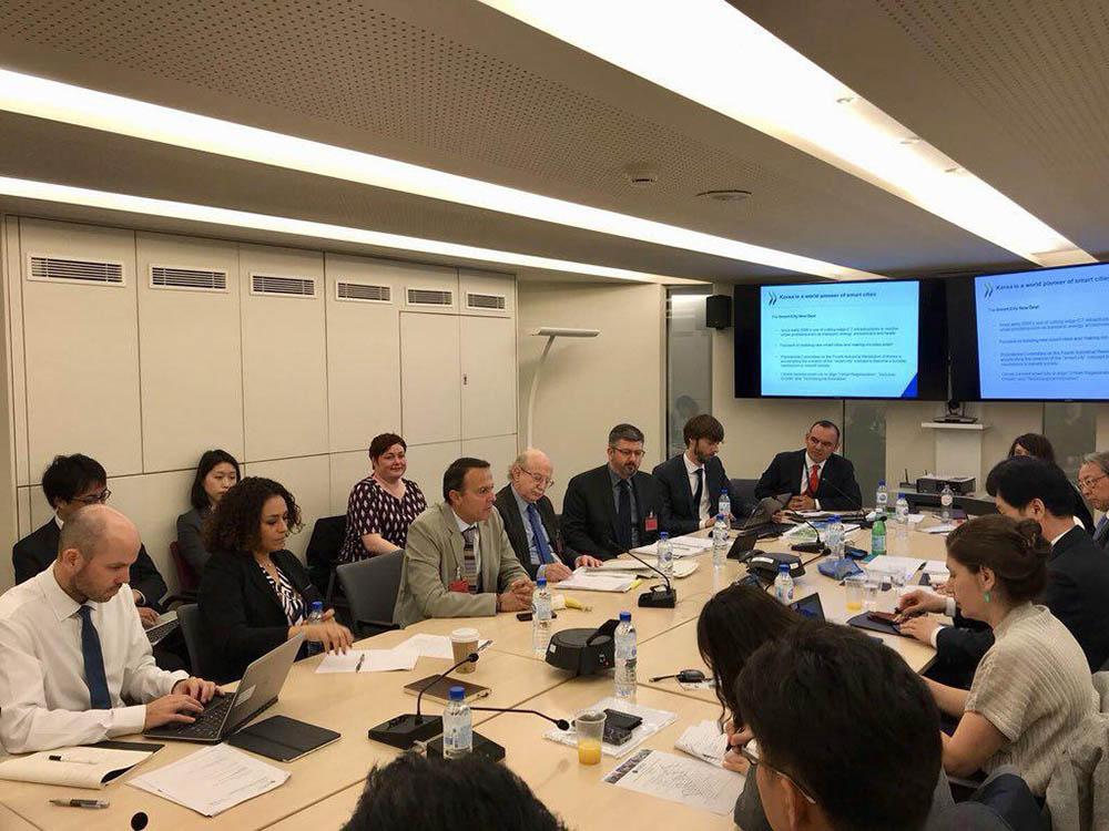Participación en reuniones de la OCDE sobre vivienda sustentable