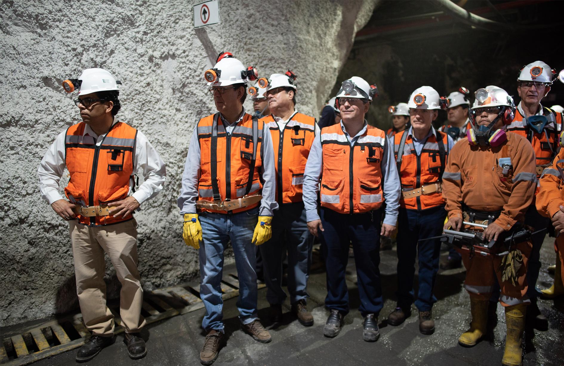 El Titular de la STPS Roberto Campa durante el Recorrido mina Velardeña-Peñones en el Día Mundial de la Seguridad y Salud en el Trabajo 2018