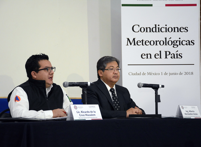 Debido a la onda de calor, se ha dado atención extraordinaria a 22 estados y 375 municipios fueron declarados en una emergencia extraordinaria, aseveró Ricardo de la Cruz Musalem.