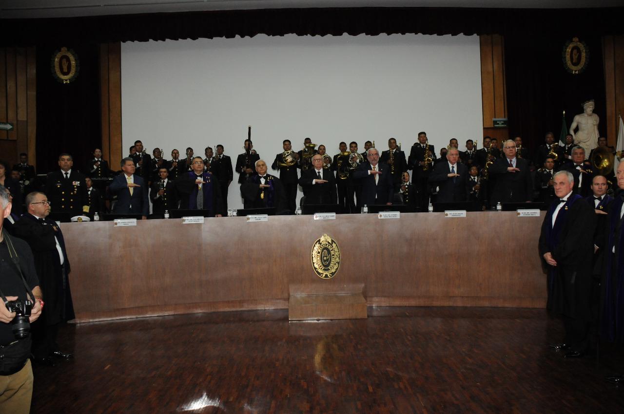 Aceptación de un Médico Naval en la Academia Mexicana de Cirugía