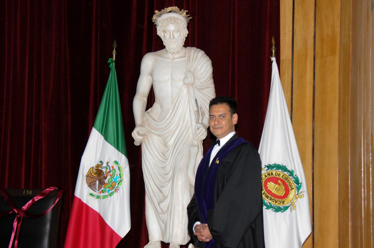 Capitán de Navío Médico Cirujano Naval Anestesiólogo y Neuroanestesiólogo, Eduardo Homero Ramírez Segura, Director de la Escuela de Posgrados en Sanidad Naval