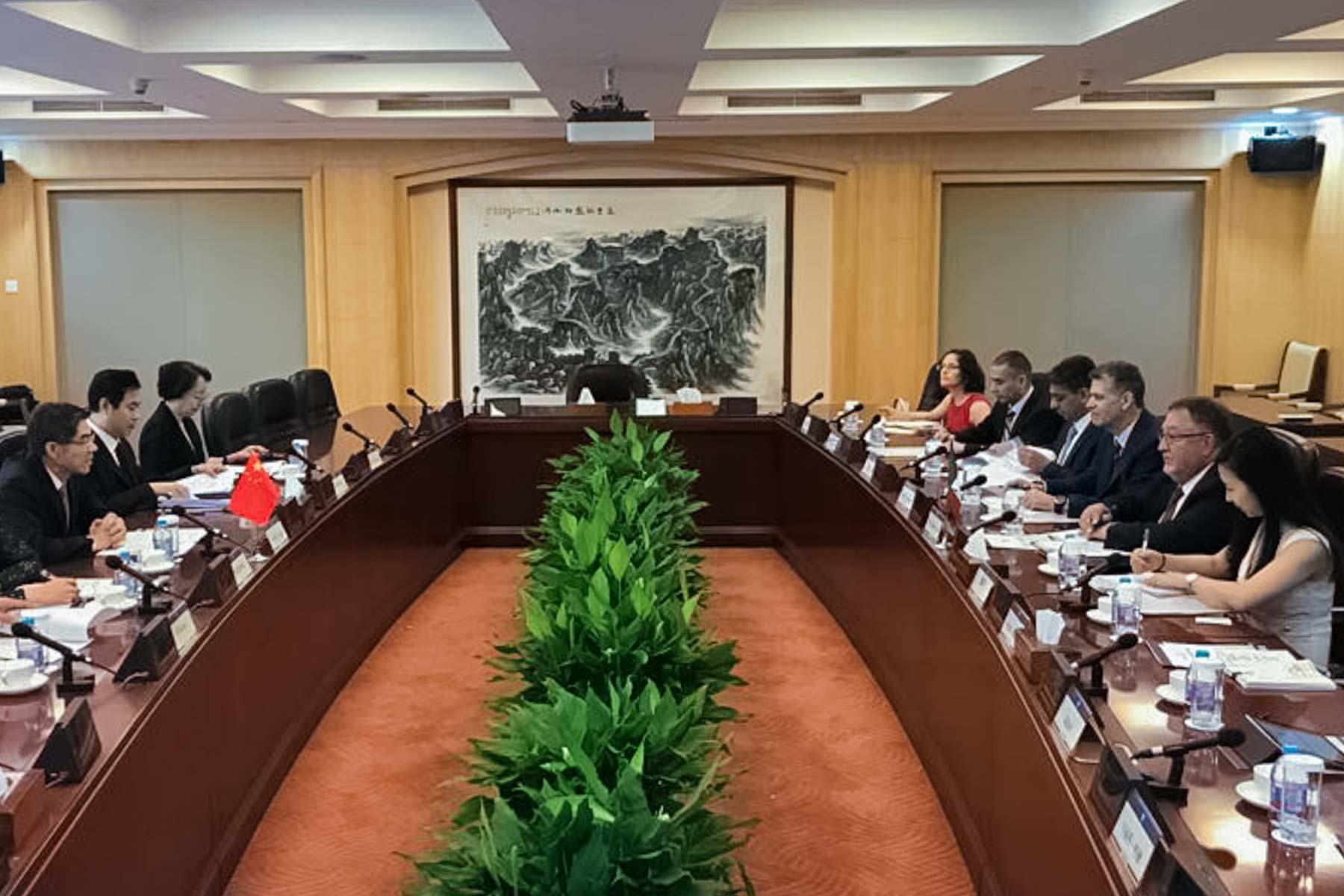 También suscribieron un Procedimiento para la exportación de frutos de moras de México a China