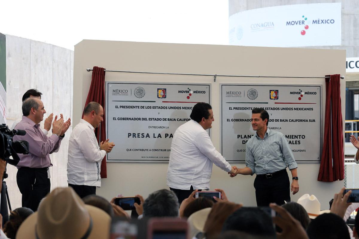 La planta de tratamiento de aguas residuales de La Paz es fundamental por los beneficios a la población y al medio ambiente, señaló el Presidente Enrique Peña Nieto.