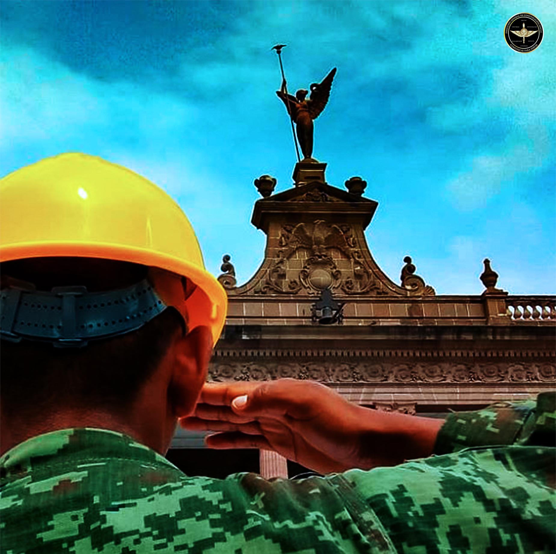 Militar del Ejército Mexicano saludando.