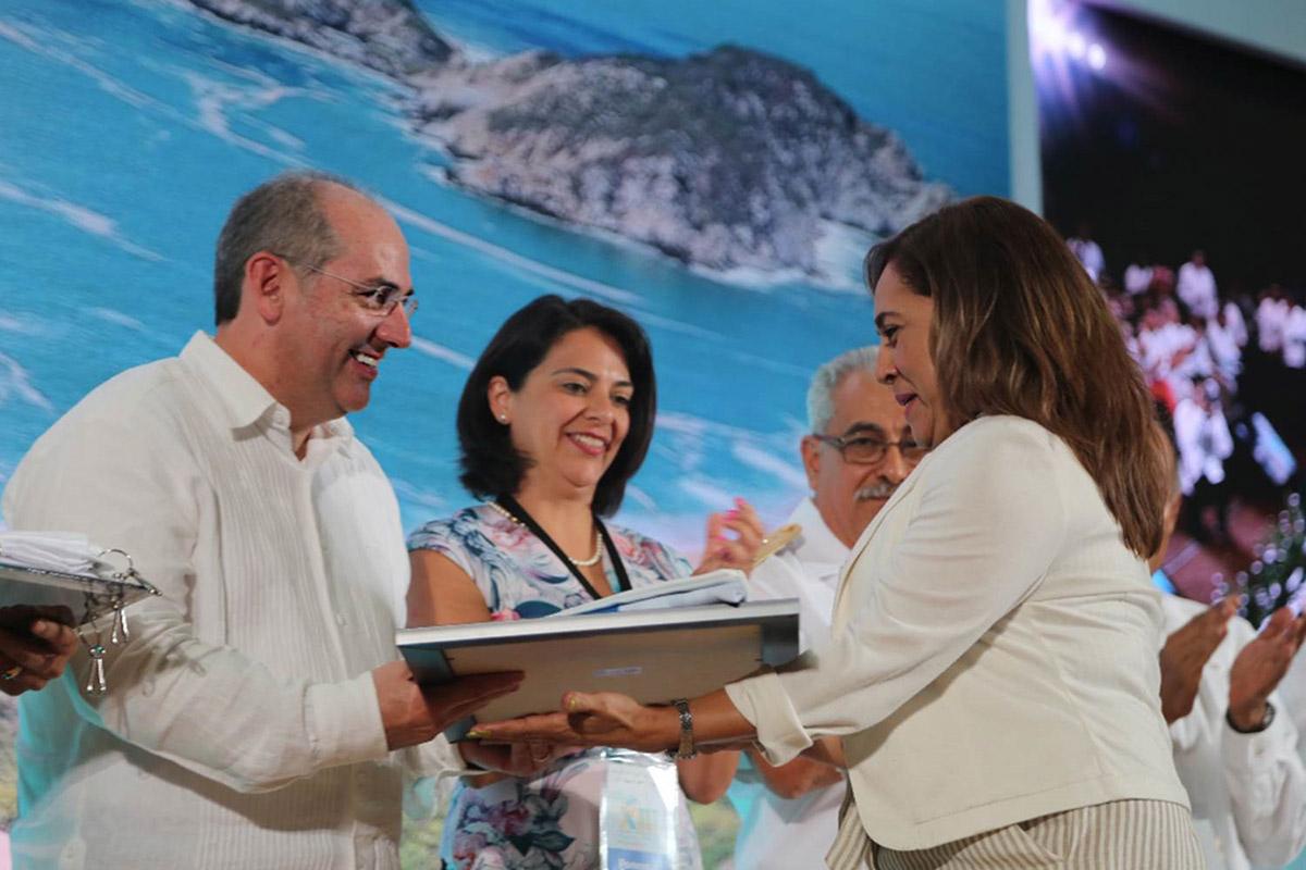 Durante el XIII Encuentro Nacional Playas Limpias se entregaron 18 Certificados Norma 120 Bandera Blanca.